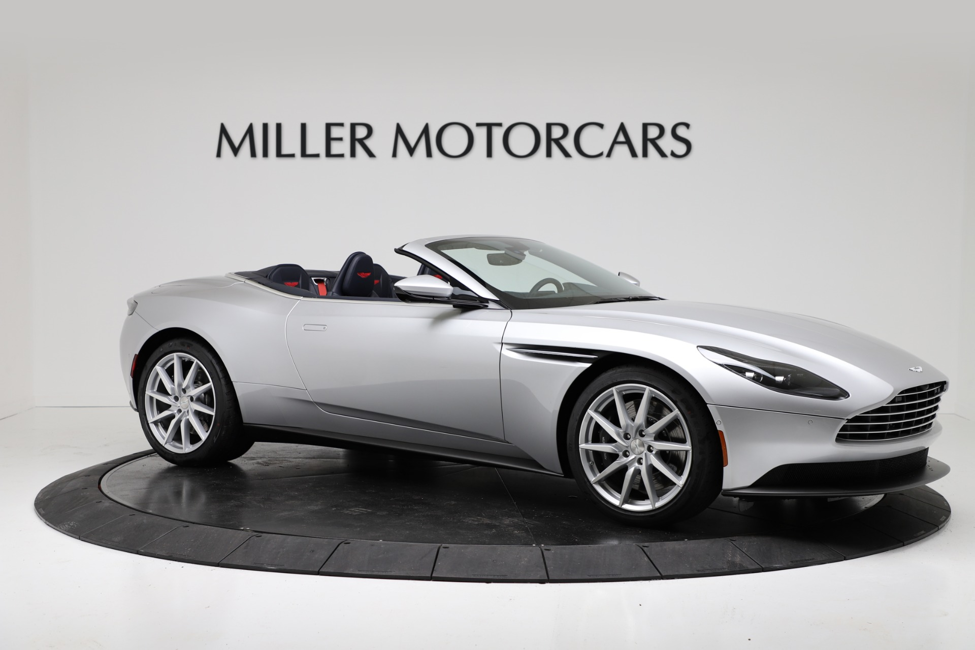 New 2019 Aston Martin DB11 V8 Convertible For Sale In Greenwich, CT. Alfa Romeo of Greenwich, A1371 3316_p10