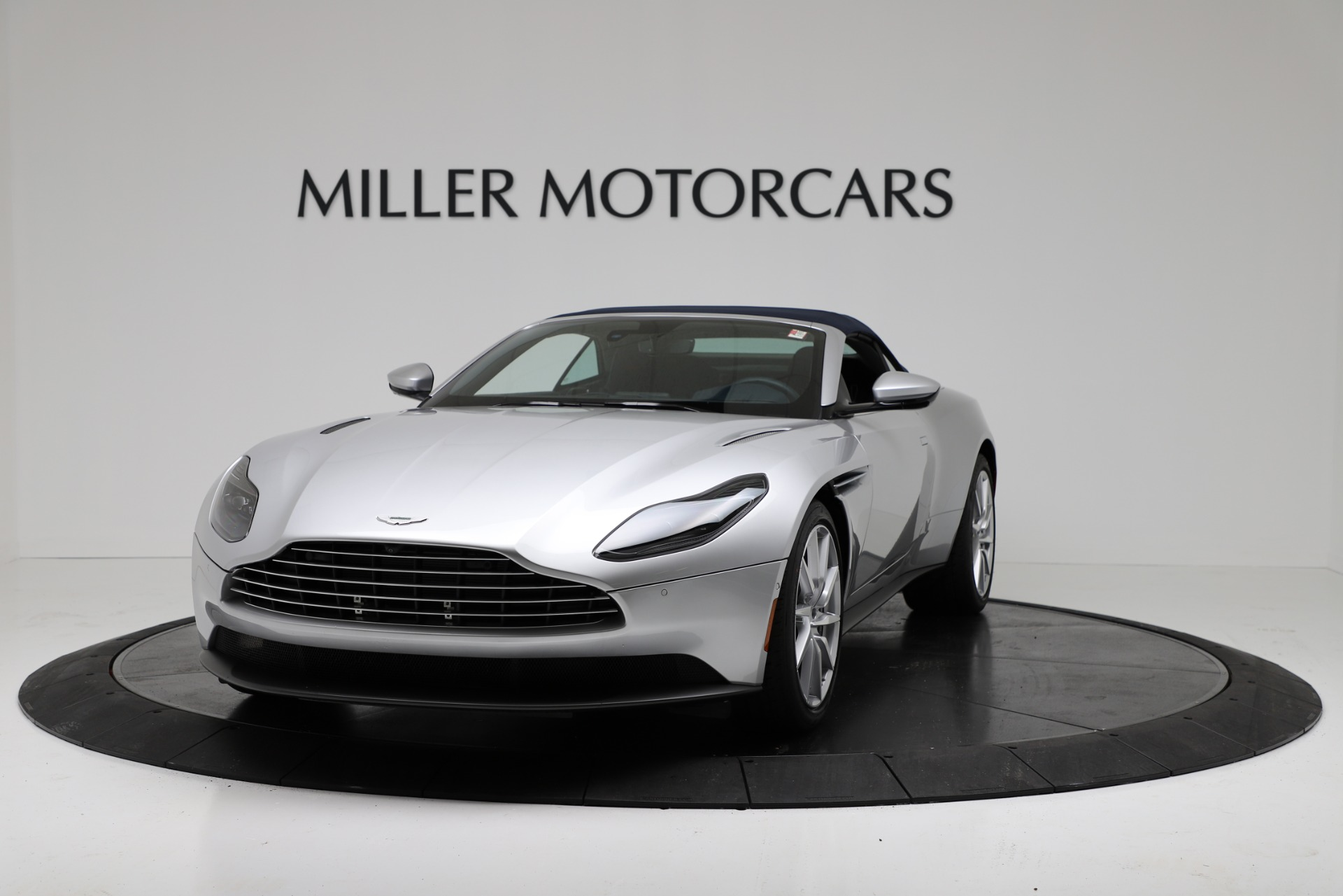 New 2019 Aston Martin DB11 V8 Convertible For Sale In Greenwich, CT. Alfa Romeo of Greenwich, A1371 3316_p13