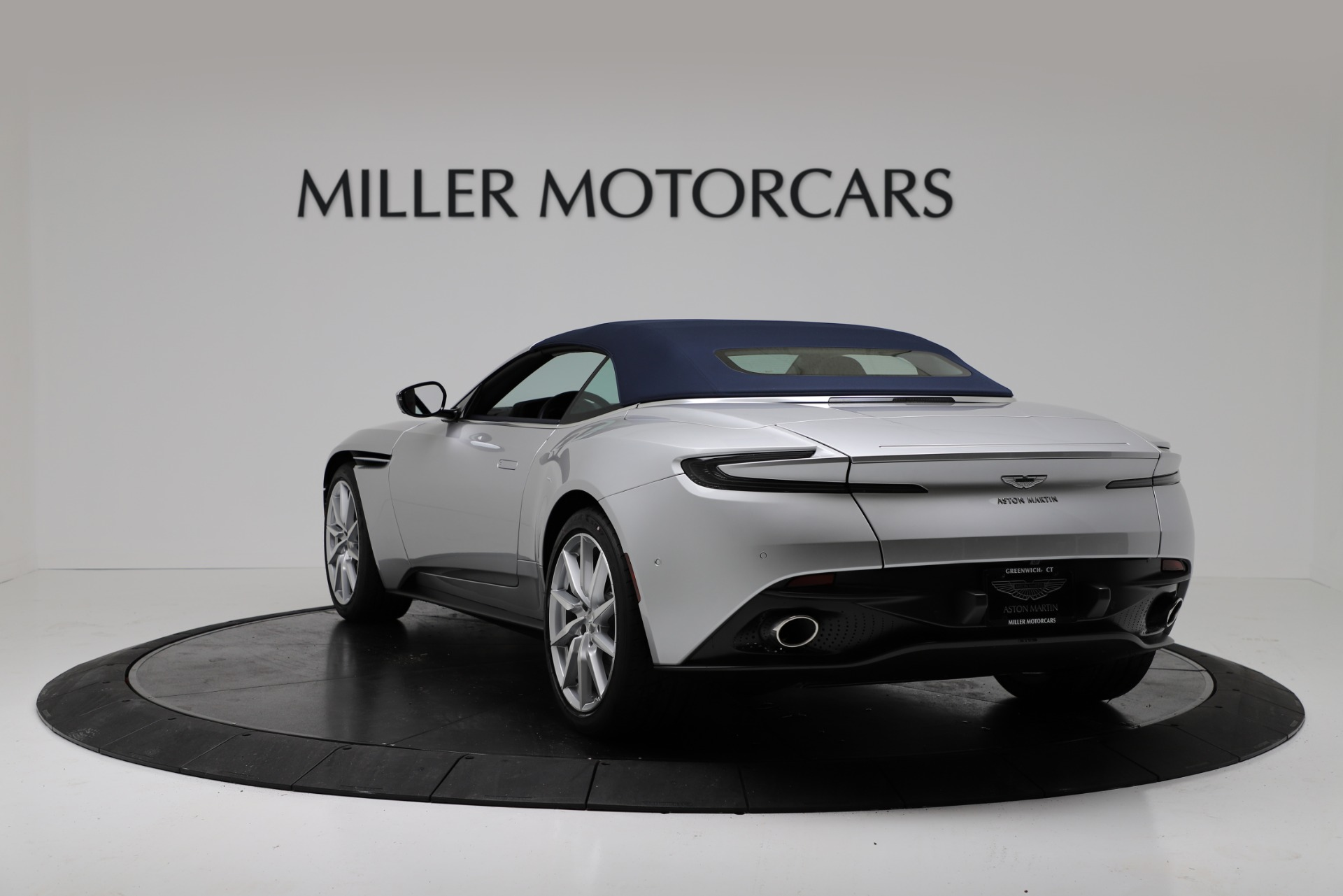 New 2019 Aston Martin DB11 V8 Convertible For Sale In Greenwich, CT. Alfa Romeo of Greenwich, A1371 3316_p15