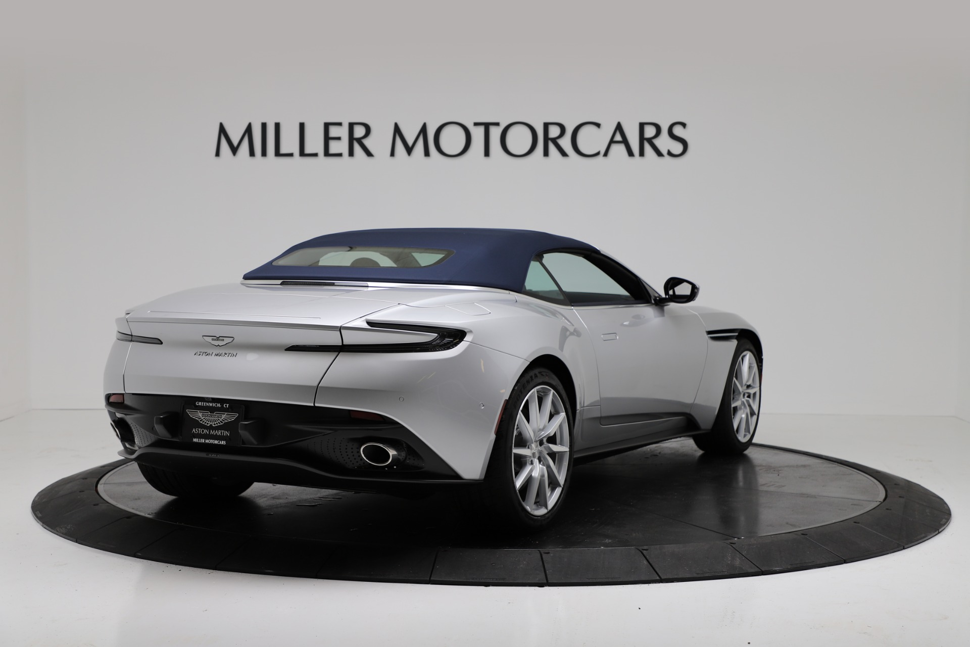 New 2019 Aston Martin DB11 V8 Convertible For Sale In Greenwich, CT. Alfa Romeo of Greenwich, A1371 3316_p16