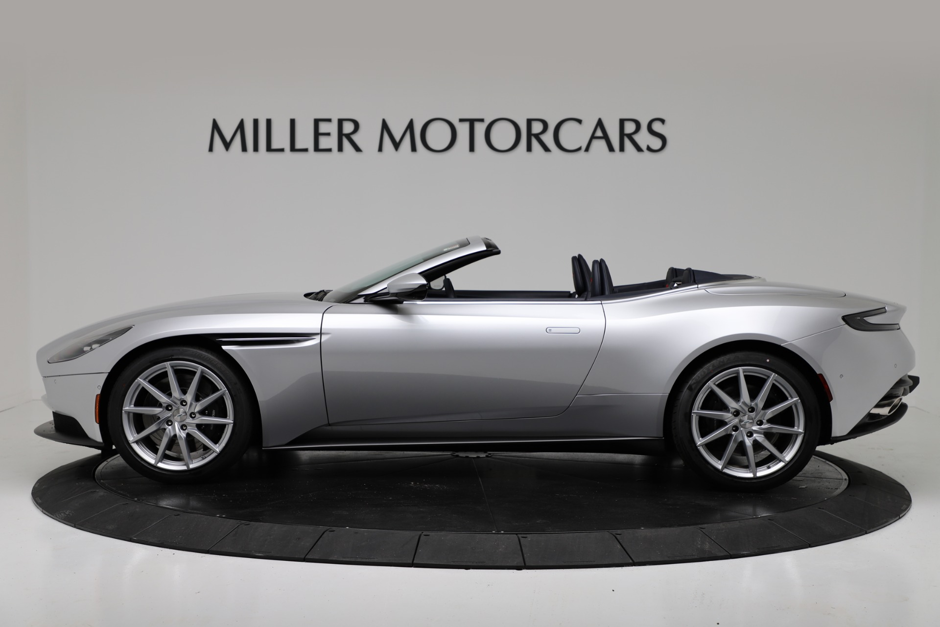 New 2019 Aston Martin DB11 V8 Convertible For Sale In Greenwich, CT. Alfa Romeo of Greenwich, A1371 3316_p3