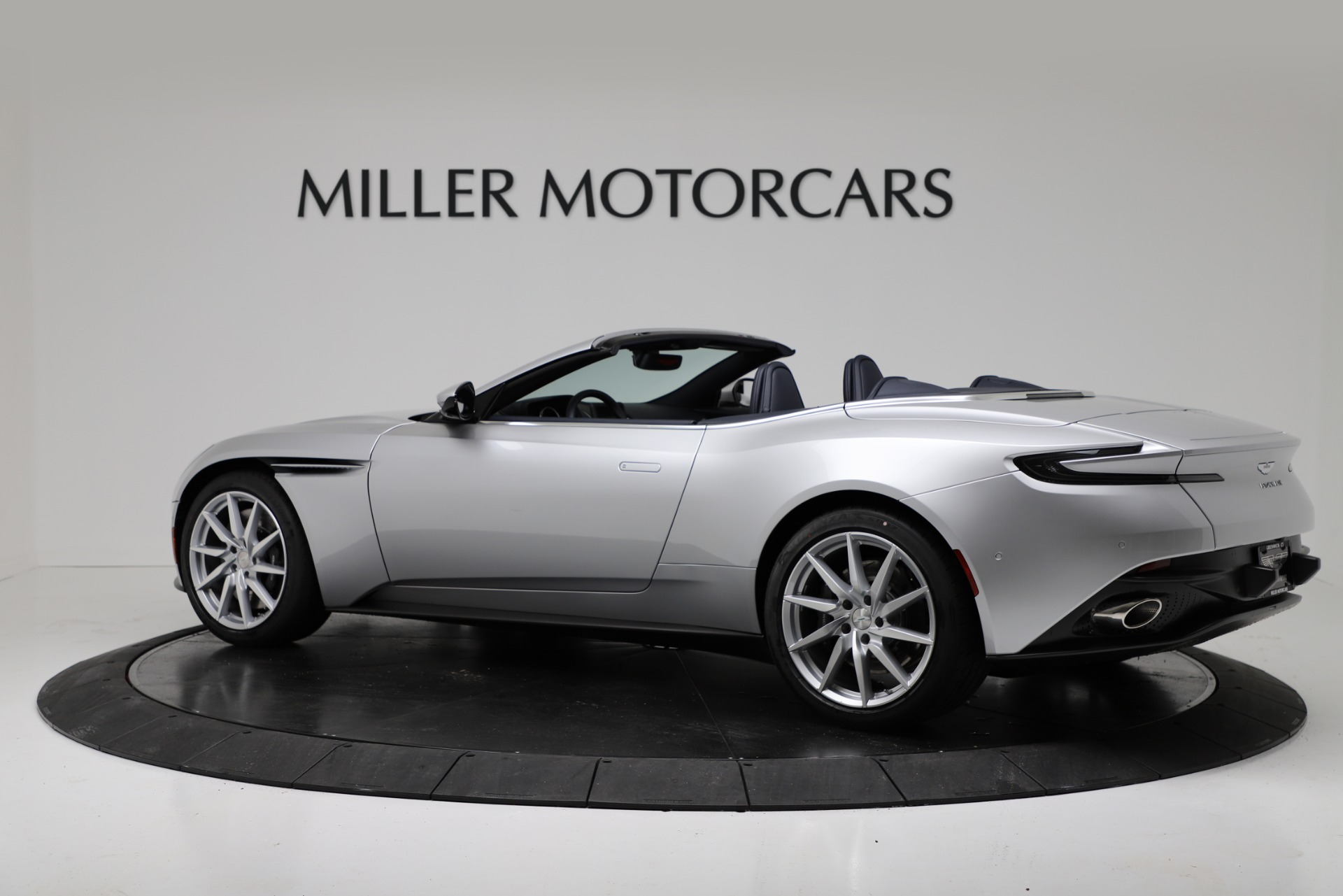 New 2019 Aston Martin DB11 V8 Convertible For Sale In Greenwich, CT. Alfa Romeo of Greenwich, A1371 3316_p4