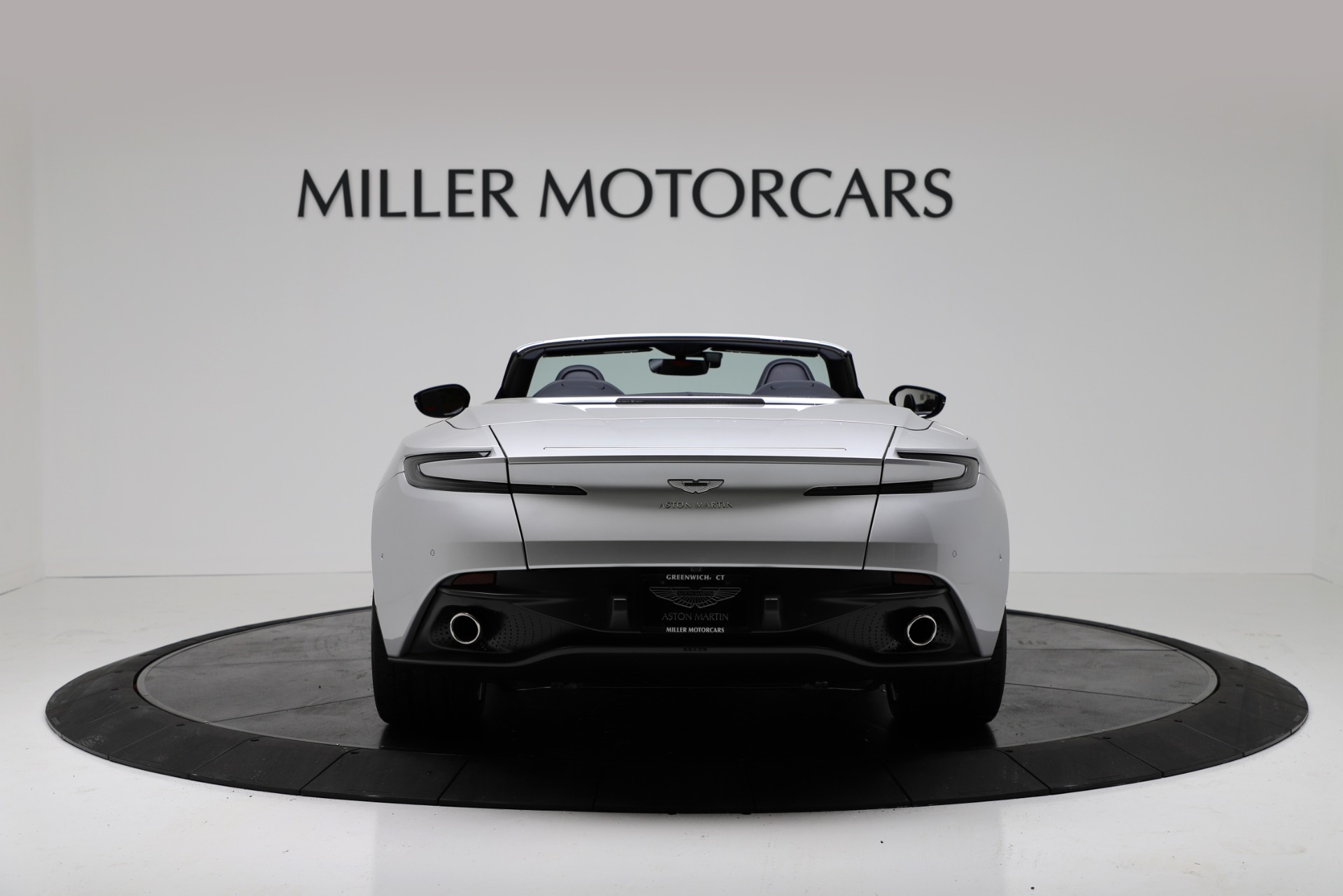 New 2019 Aston Martin DB11 V8 Convertible For Sale In Greenwich, CT. Alfa Romeo of Greenwich, A1371 3316_p6