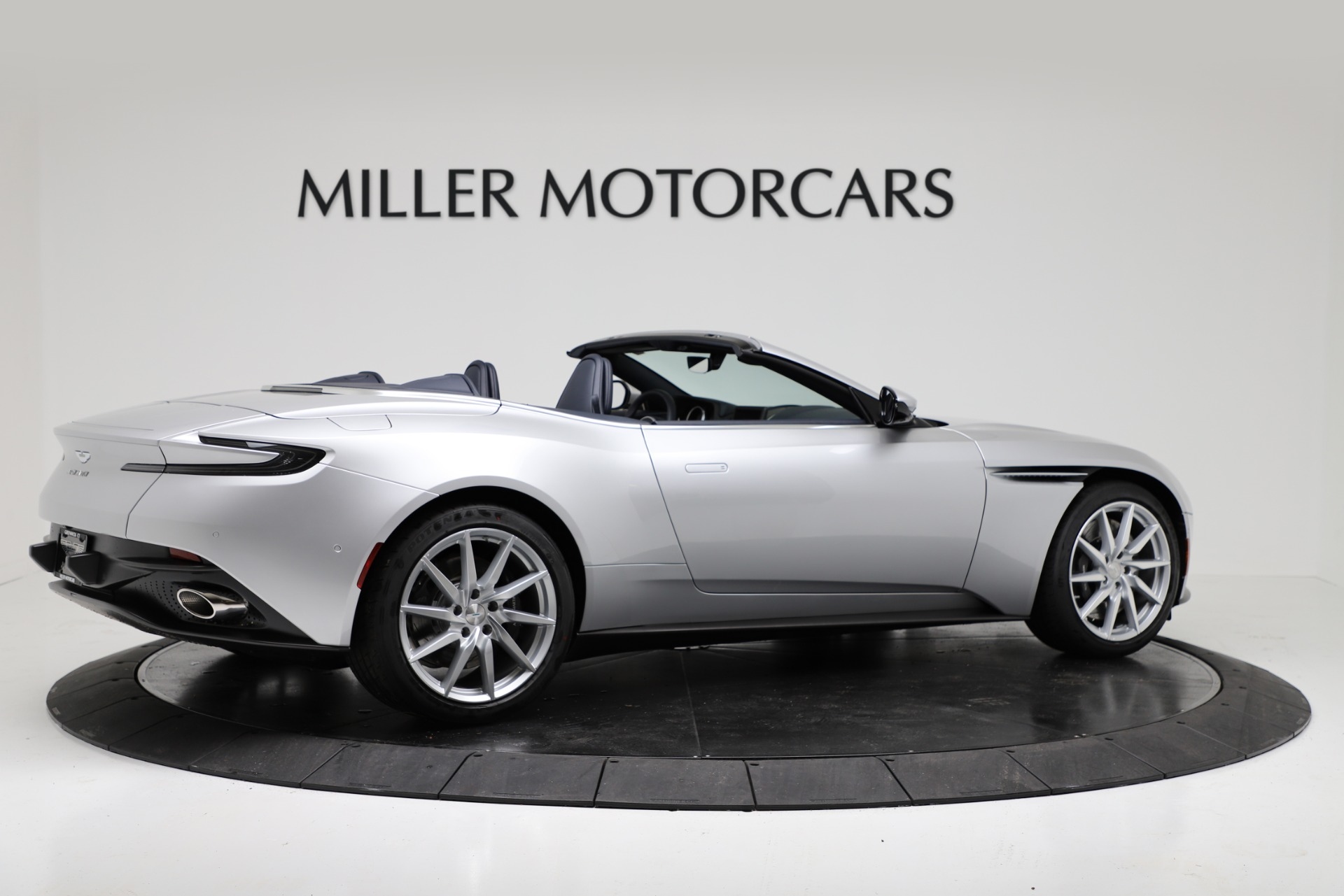 New 2019 Aston Martin DB11 V8 Convertible For Sale In Greenwich, CT. Alfa Romeo of Greenwich, A1371 3316_p8