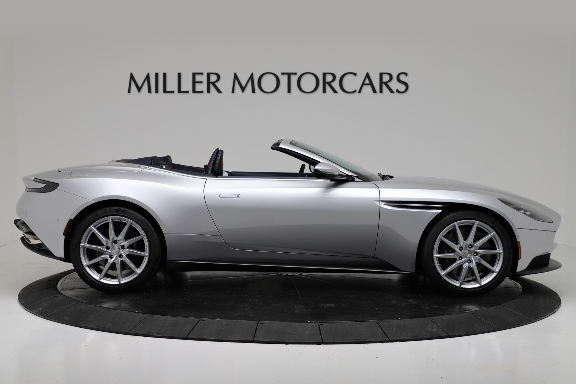 New 2019 Aston Martin DB11 V8 Convertible For Sale In Greenwich, CT. Alfa Romeo of Greenwich, A1371 3316_p9