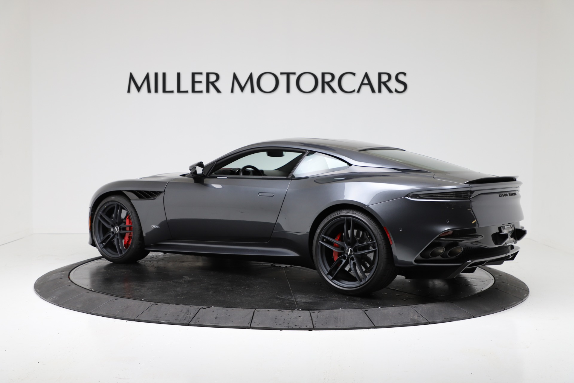 New 2019 Aston Martin DBS Superleggera For Sale In Greenwich, CT. Alfa Romeo of Greenwich, A1379 3318_p4