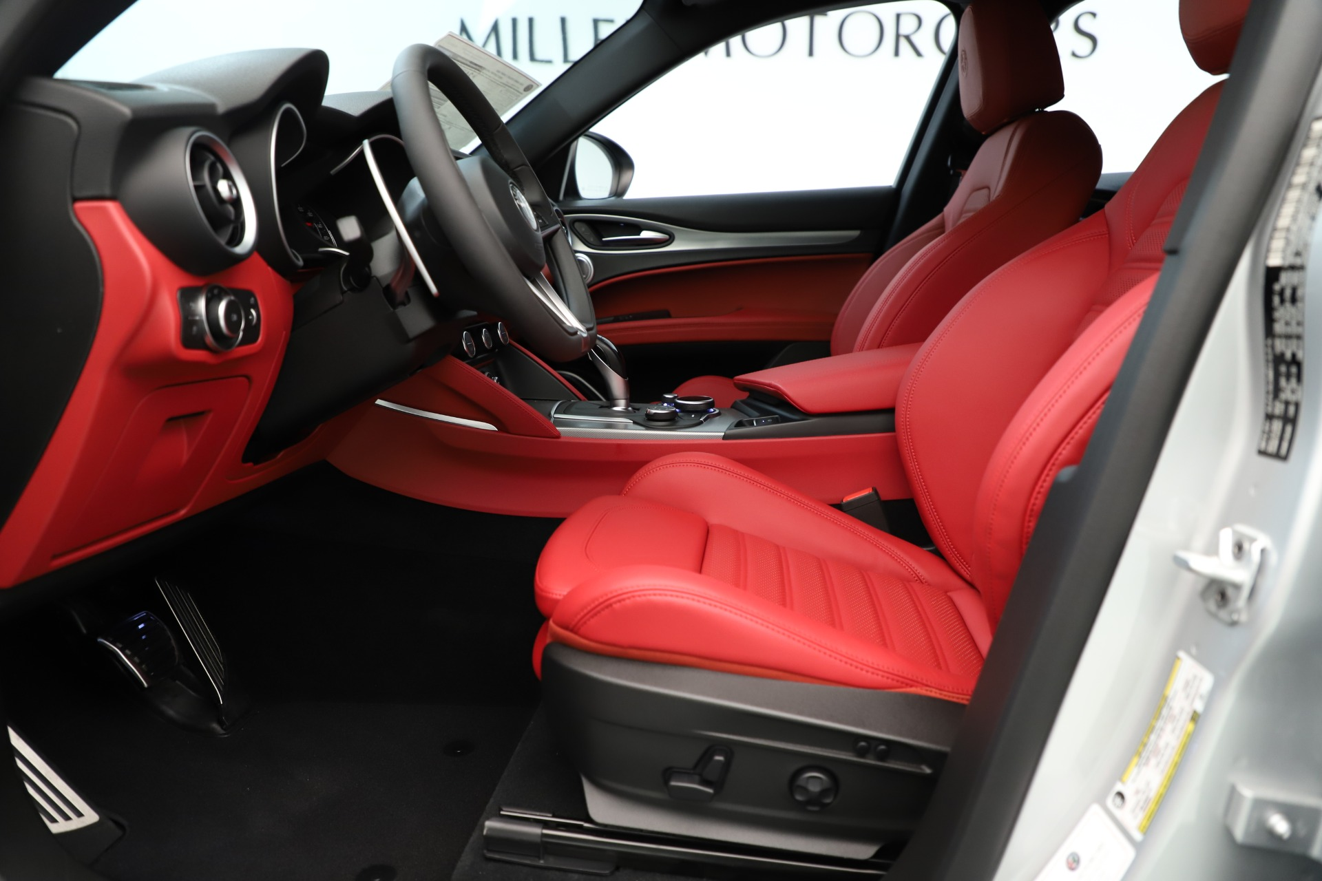 New 2019 Alfa Romeo Stelvio Ti Sport Q4 For Sale In Greenwich, CT. Alfa Romeo of Greenwich, LW361 3323_p14