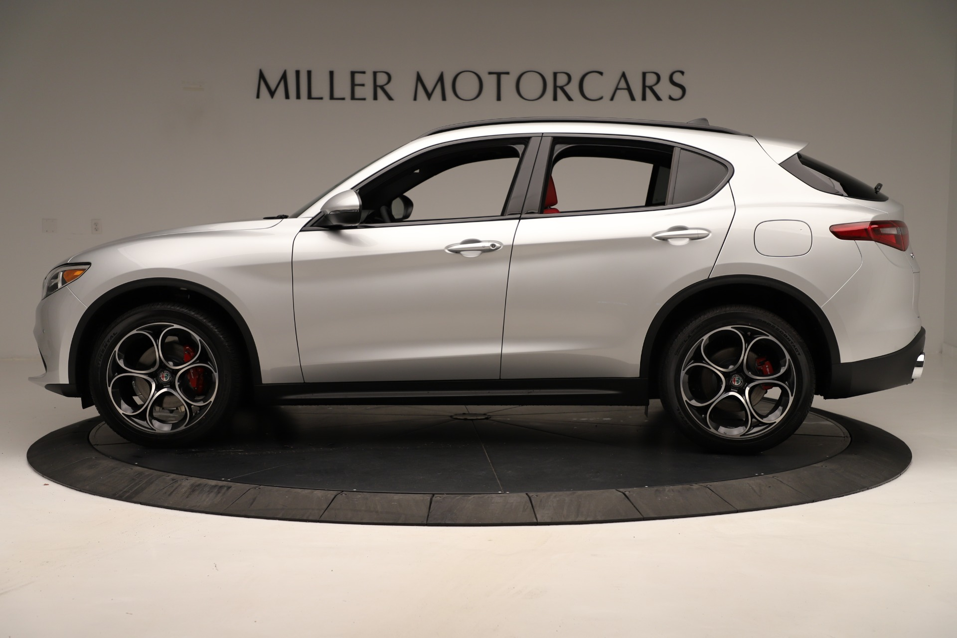 New 2019 Alfa Romeo Stelvio Ti Sport Q4 For Sale In Greenwich, CT. Alfa Romeo of Greenwich, LW361 3323_p3