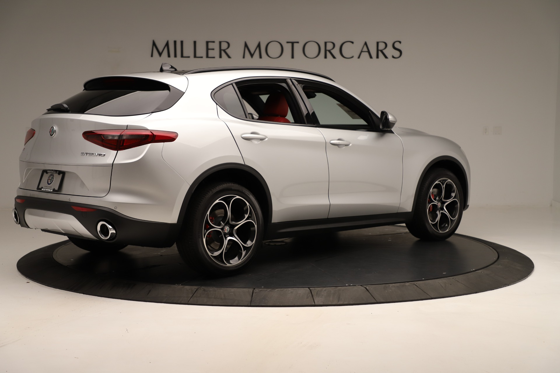 New 2019 Alfa Romeo Stelvio Ti Sport Q4 For Sale In Greenwich, CT. Alfa Romeo of Greenwich, LW361 3323_p8