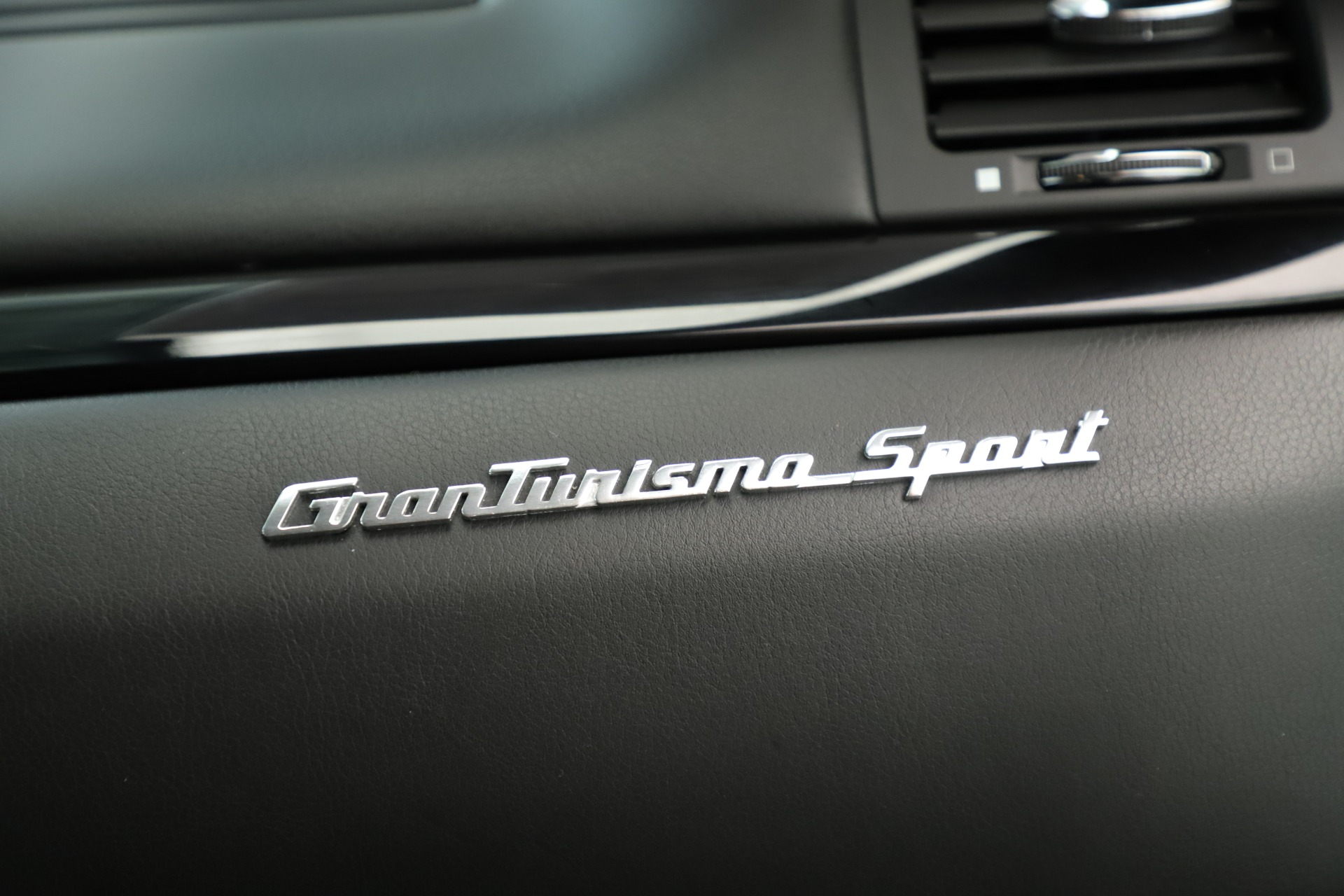 Used 2013 Maserati GranTurismo Sport For Sale In Greenwich, CT. Alfa Romeo of Greenwich, 7598 3327_p23