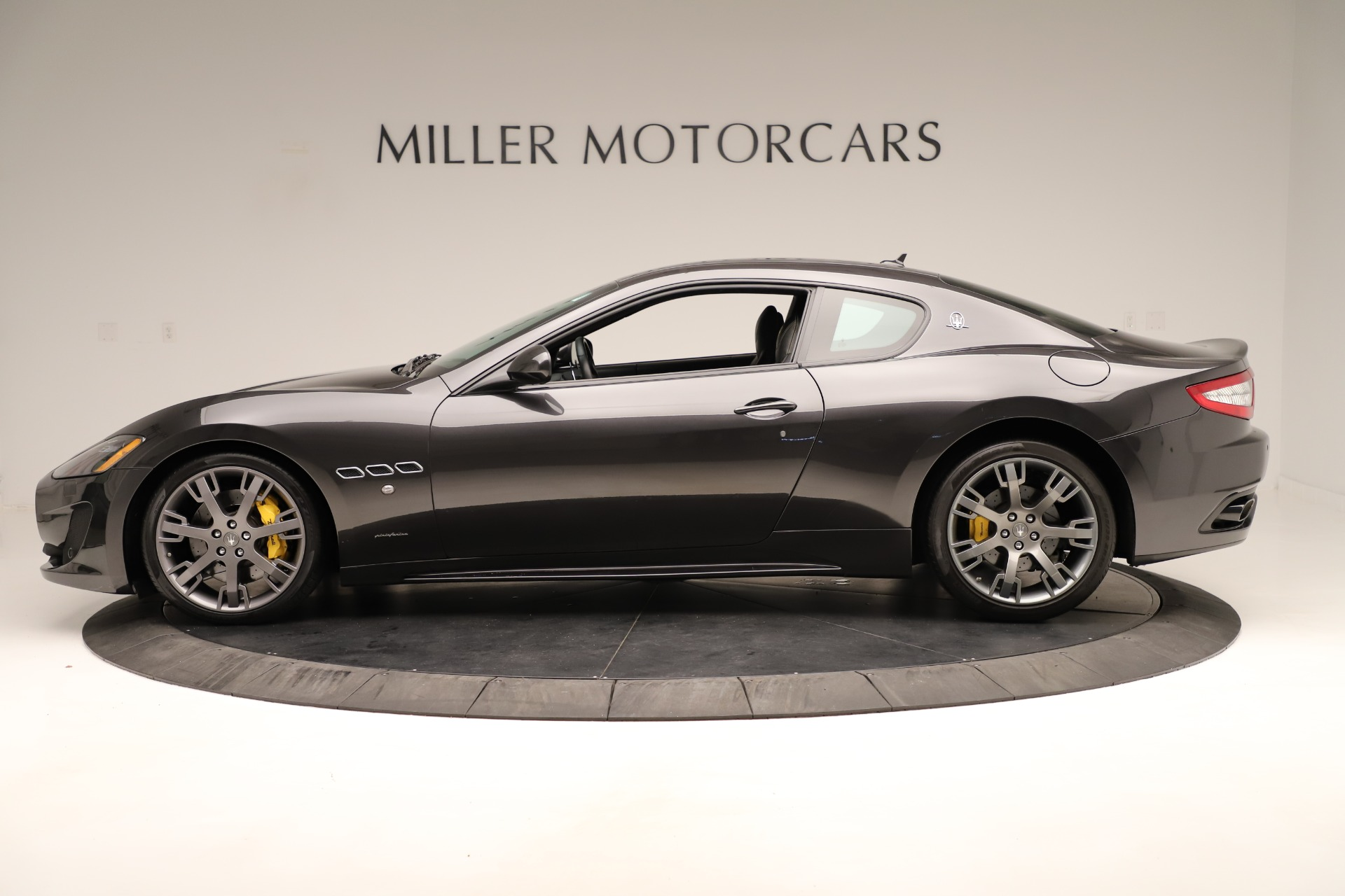 Used 2013 Maserati GranTurismo Sport For Sale In Greenwich, CT. Alfa Romeo of Greenwich, 7598 3327_p3