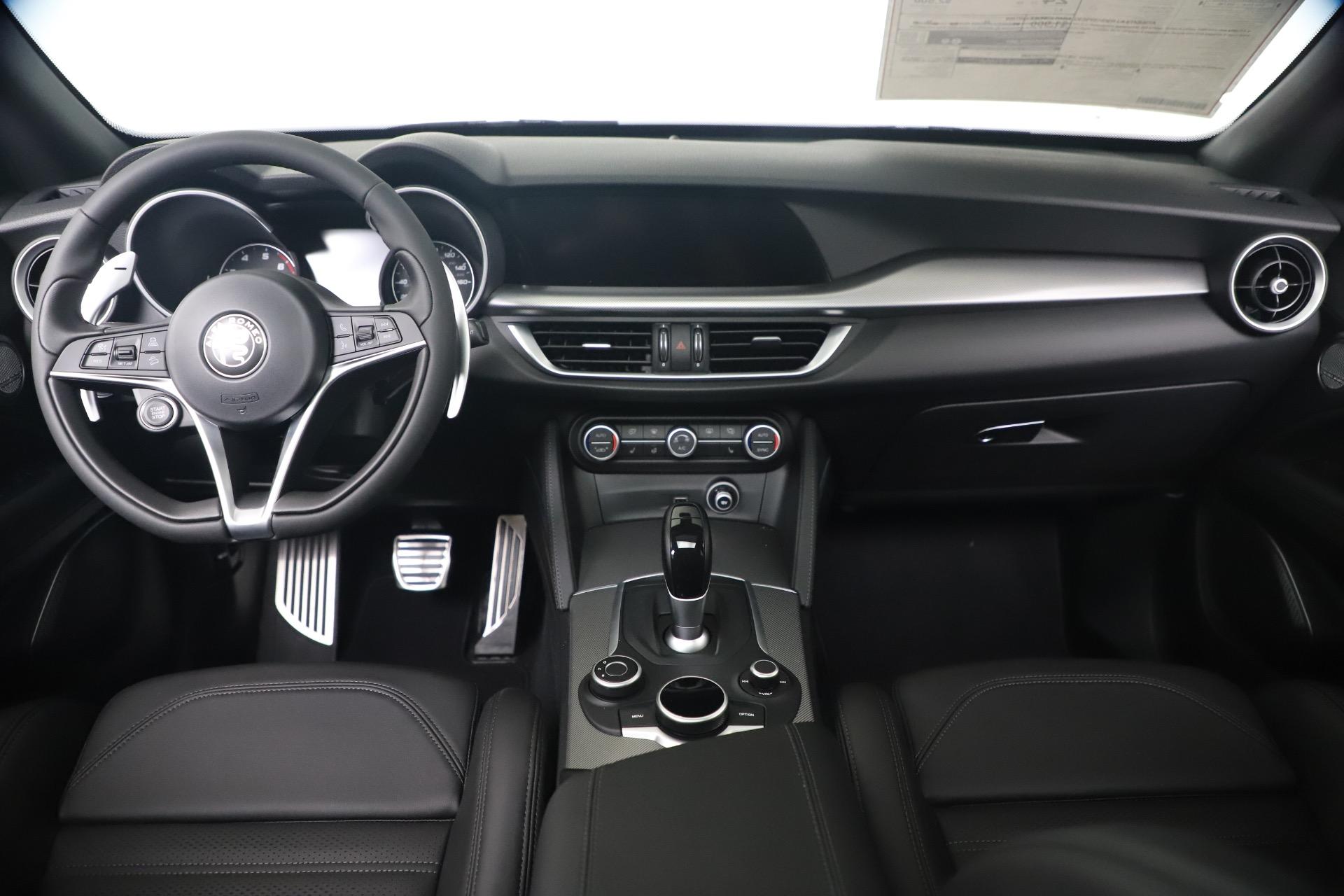 New 2019 Alfa Romeo Stelvio Ti Sport Q4 For Sale In Greenwich, CT. Alfa Romeo of Greenwich, LW359 3337_p16