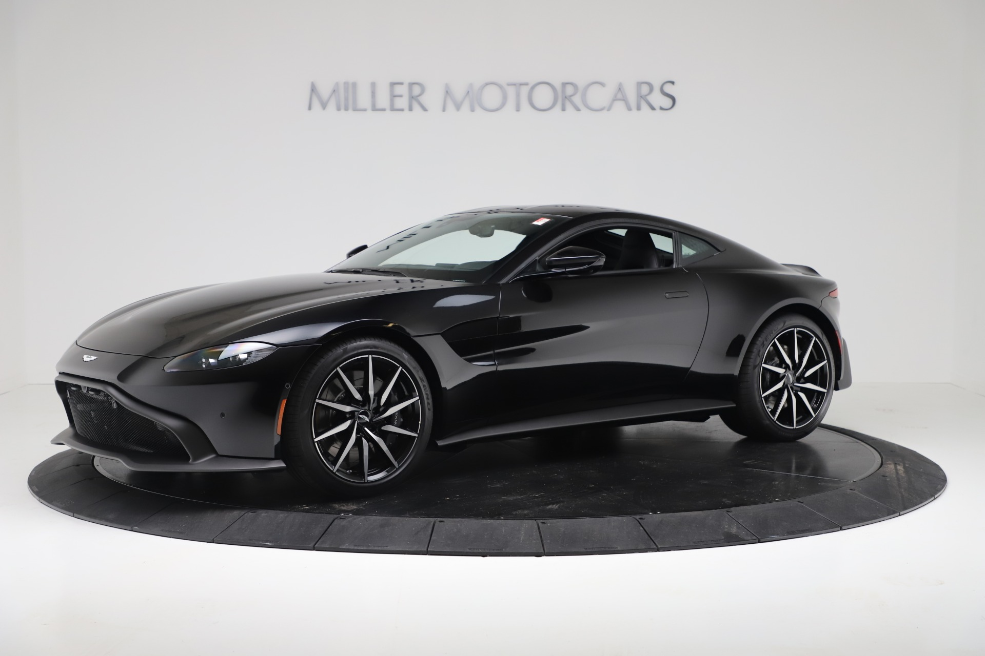 Used 2020 Aston Martin Vantage Coupe For Sale In Greenwich, CT. Alfa Romeo of Greenwich, A1388B 3340_main