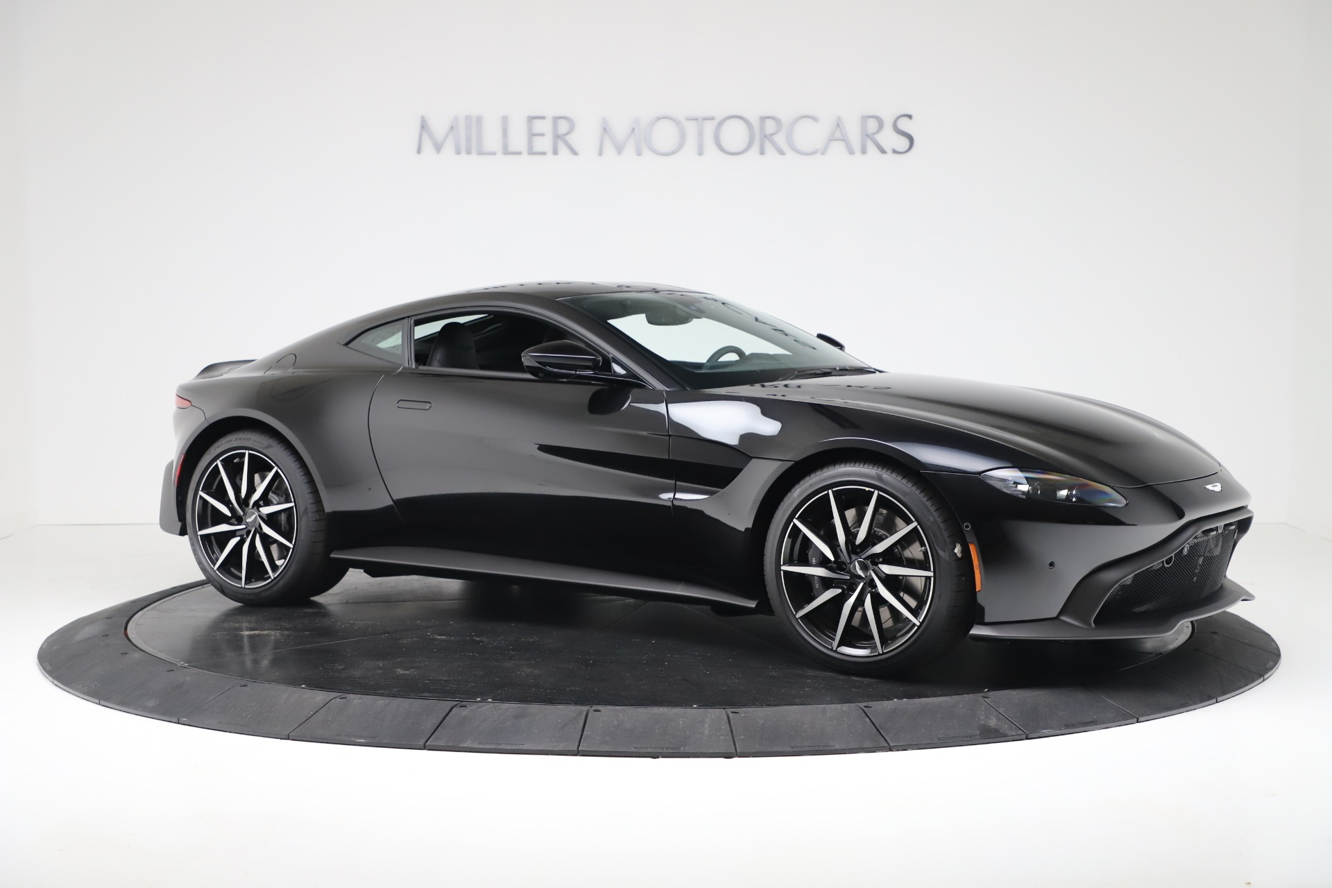 Used 2020 Aston Martin Vantage Coupe For Sale In Greenwich, CT. Alfa Romeo of Greenwich, A1388B 3340_p10