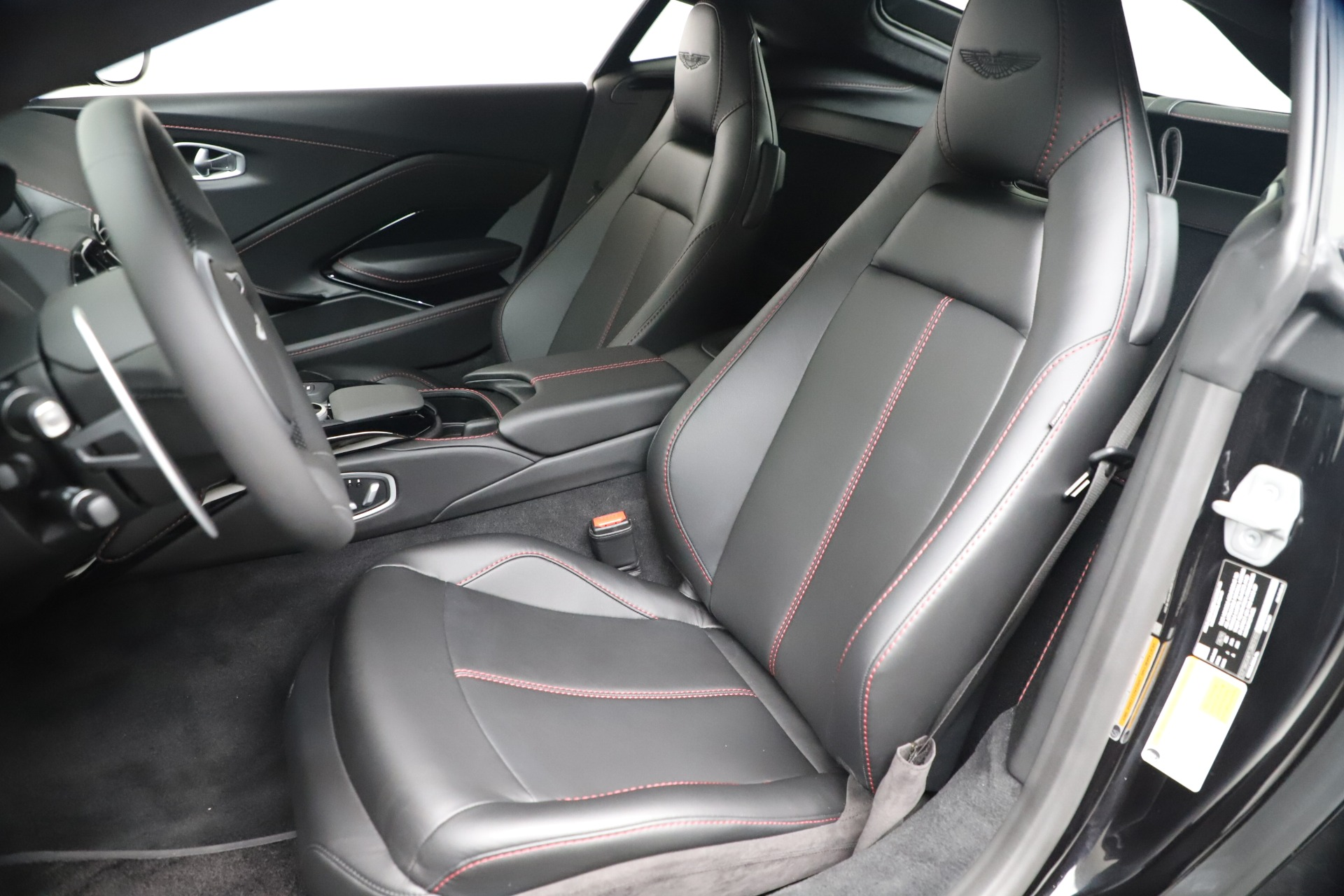 Used 2020 Aston Martin Vantage Coupe For Sale In Greenwich, CT. Alfa Romeo of Greenwich, A1388B 3340_p15