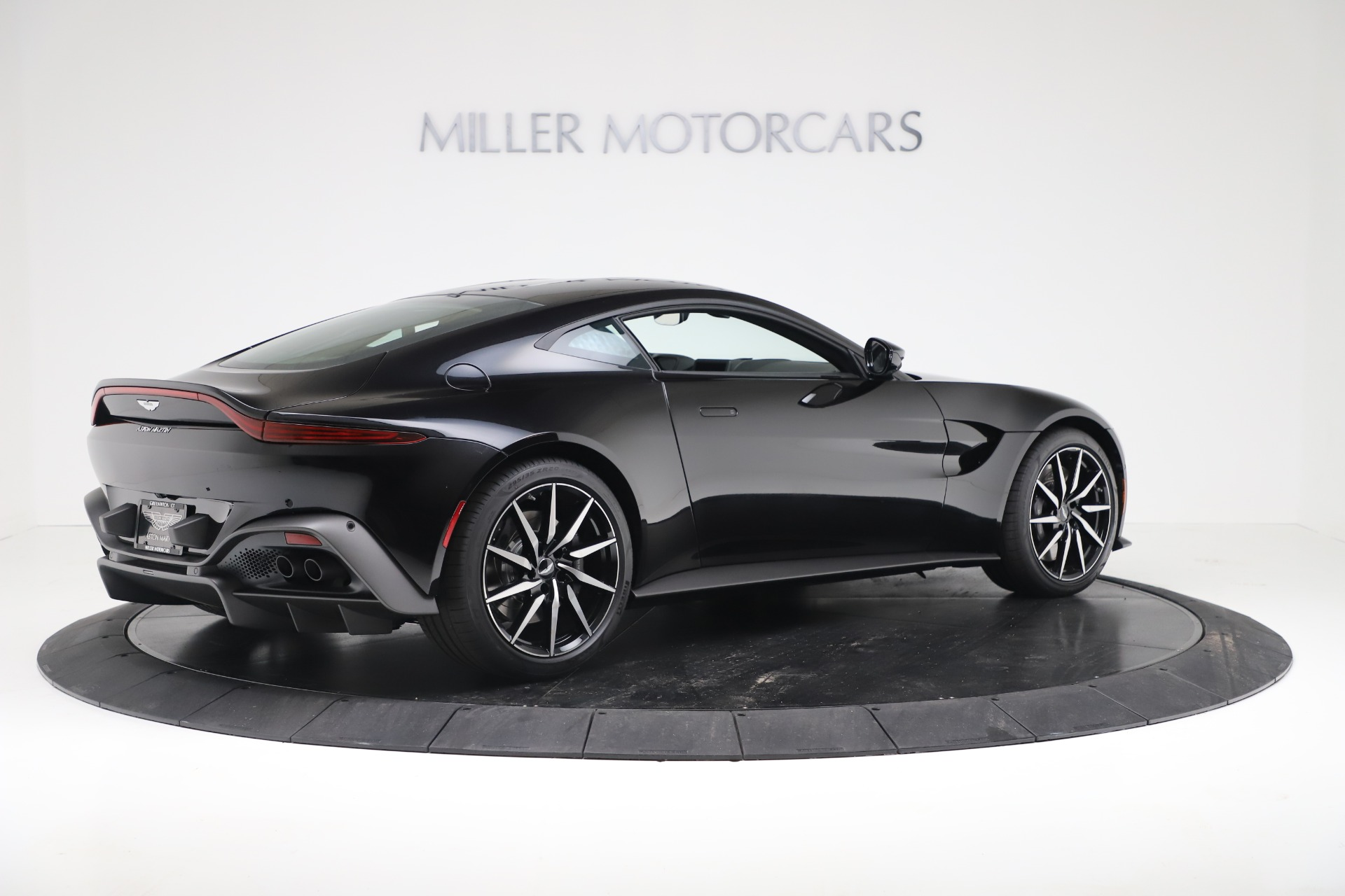 Used 2020 Aston Martin Vantage Coupe For Sale In Greenwich, CT. Alfa Romeo of Greenwich, A1388B 3340_p8