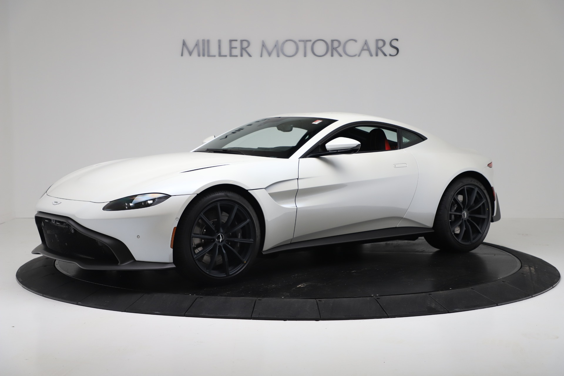 New 2020 Aston Martin Vantage Coupe For Sale In Greenwich, CT. Alfa Romeo of Greenwich, A1389 3342_main