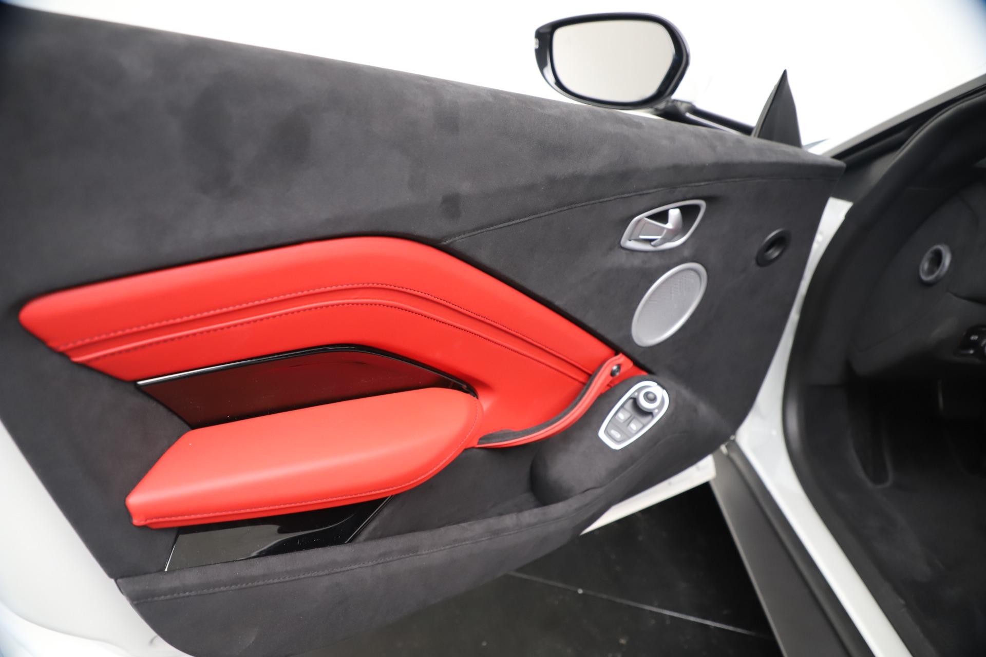 New 2020 Aston Martin Vantage Coupe For Sale In Greenwich, CT. Alfa Romeo of Greenwich, A1389 3342_p16