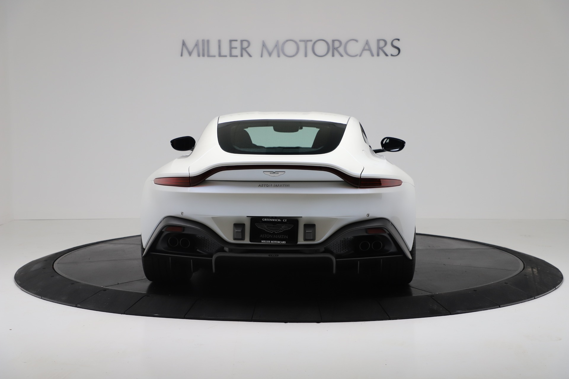 New 2020 Aston Martin Vantage Coupe For Sale In Greenwich, CT. Alfa Romeo of Greenwich, A1389 3342_p5