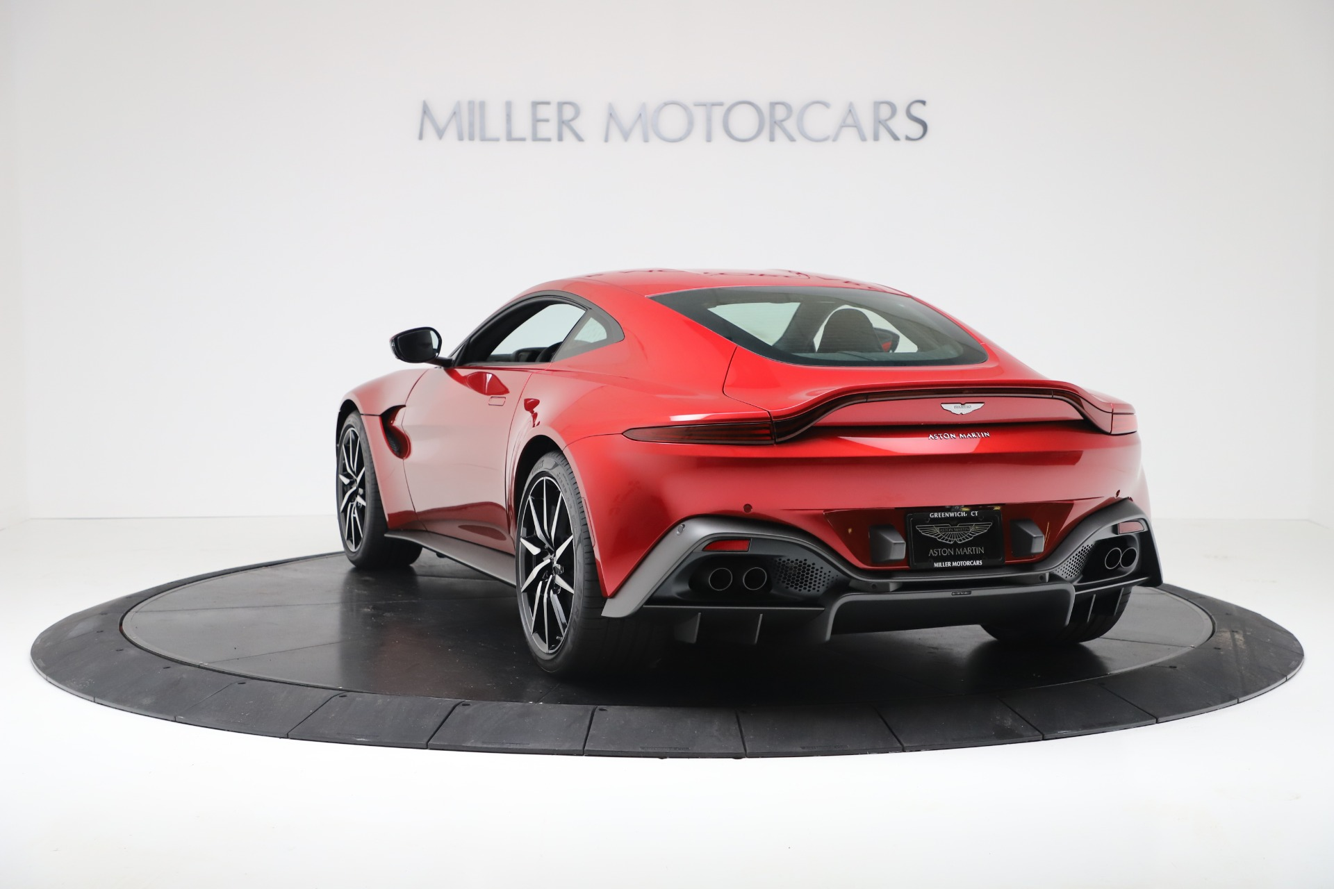 New 2020 Aston Martin Vantage V8 For Sale In Greenwich, CT. Alfa Romeo of Greenwich, A1390 3343_p5