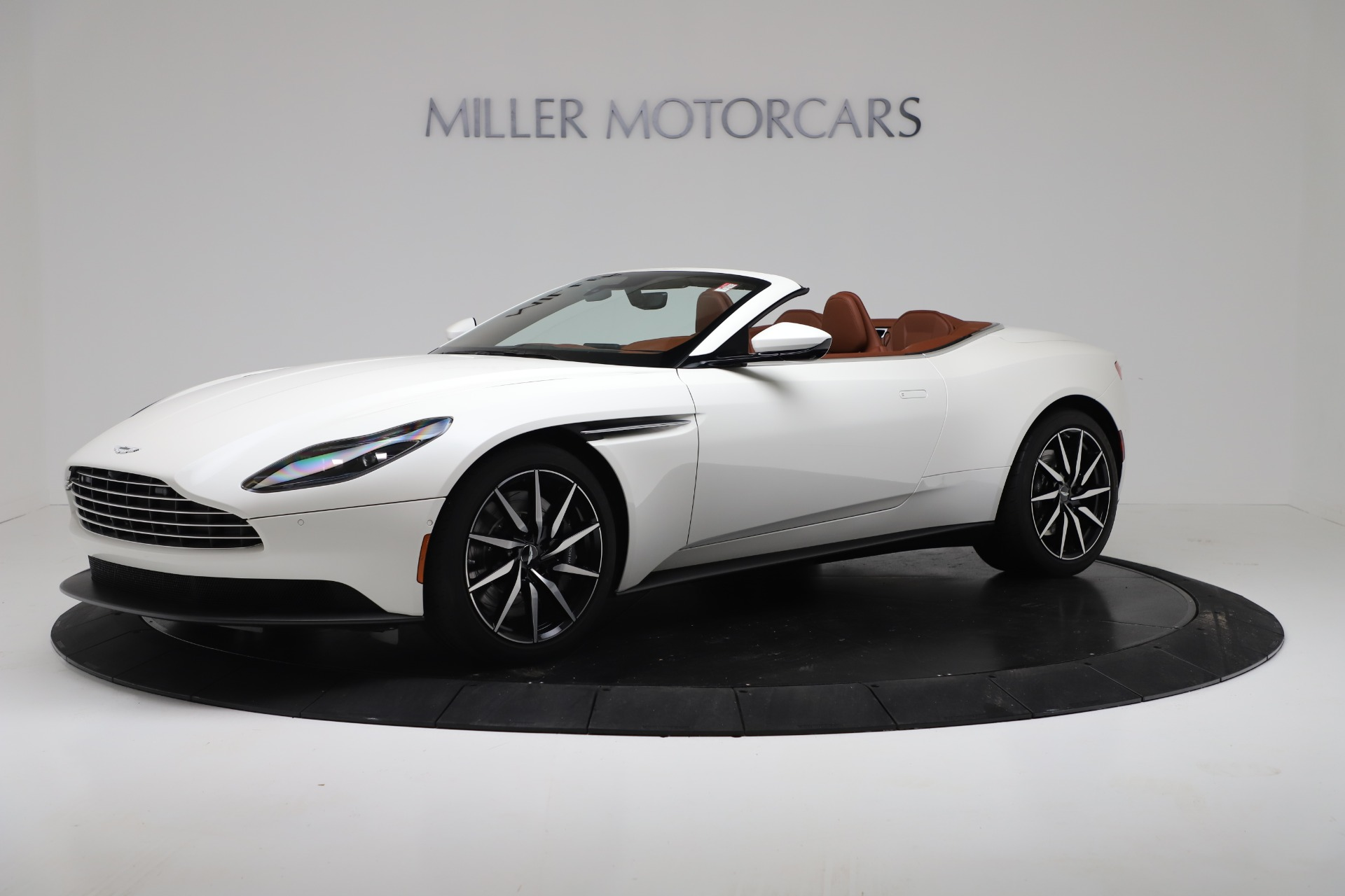 New 2019 Aston Martin DB11 V8 For Sale In Greenwich, CT. Alfa Romeo of Greenwich, A1391