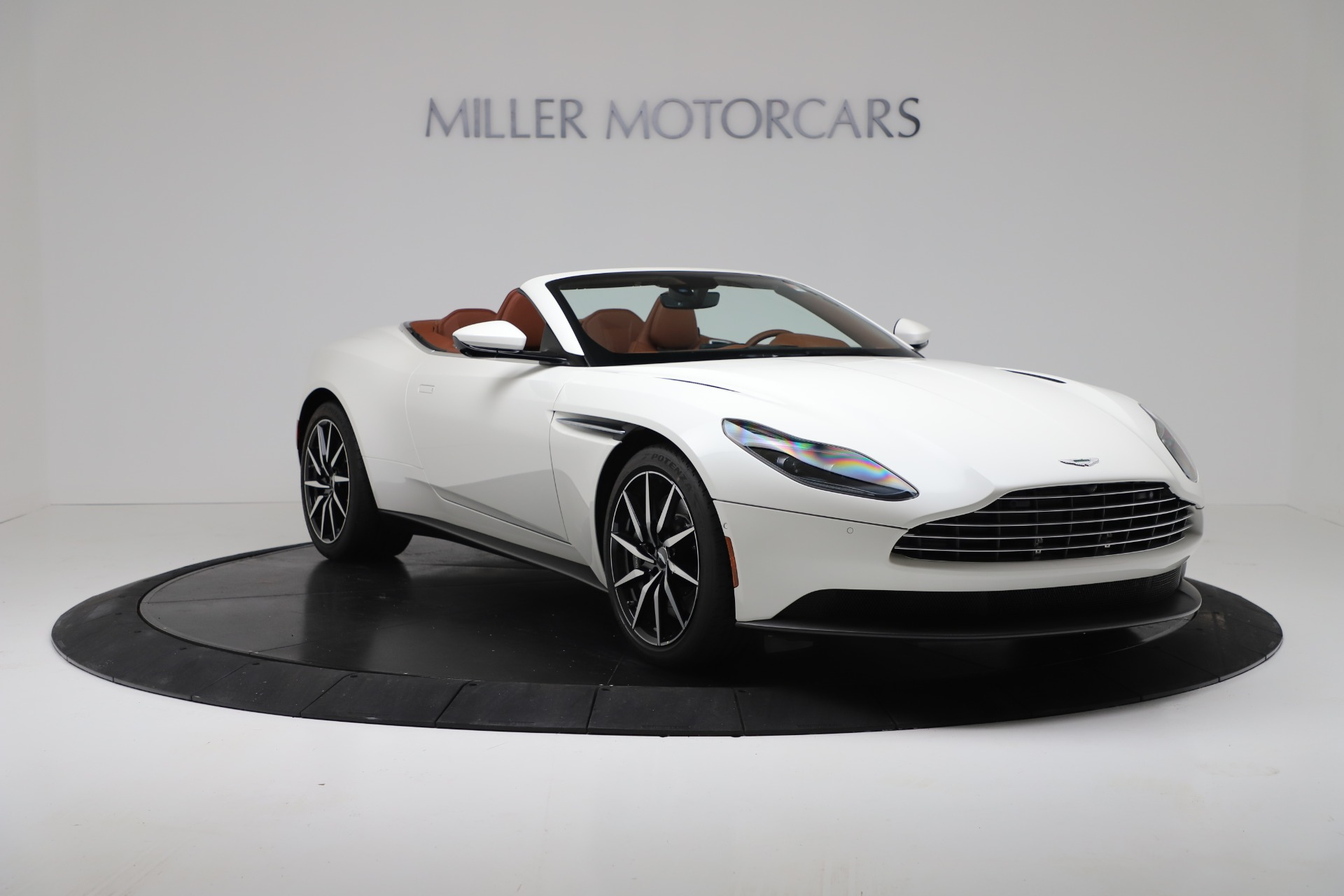 New 2019 Aston Martin DB11 V8 For Sale In Greenwich, CT. Alfa Romeo of Greenwich, A1391 3344_p11