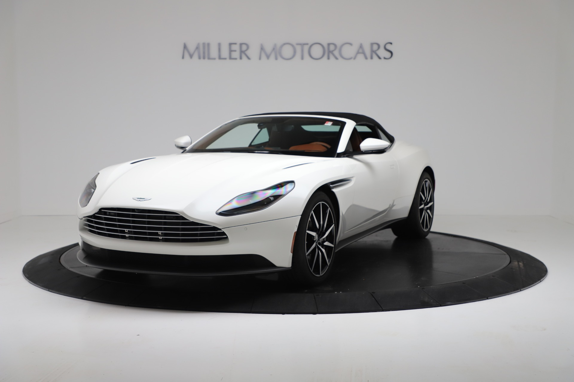 New 2019 Aston Martin DB11 V8 For Sale In Greenwich, CT. Alfa Romeo of Greenwich, A1391 3344_p13