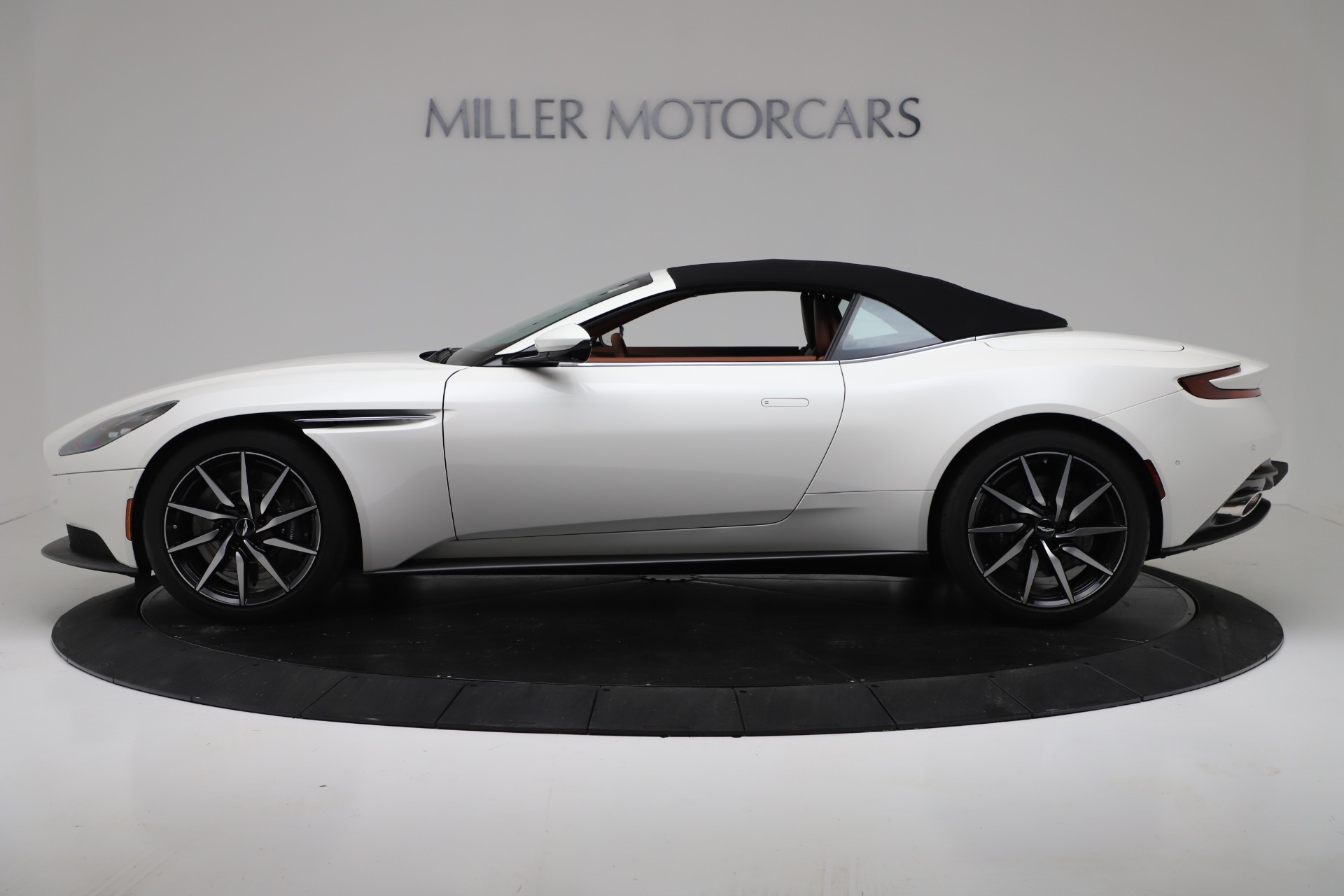New 2019 Aston Martin DB11 V8 For Sale In Greenwich, CT. Alfa Romeo of Greenwich, A1391 3344_p14