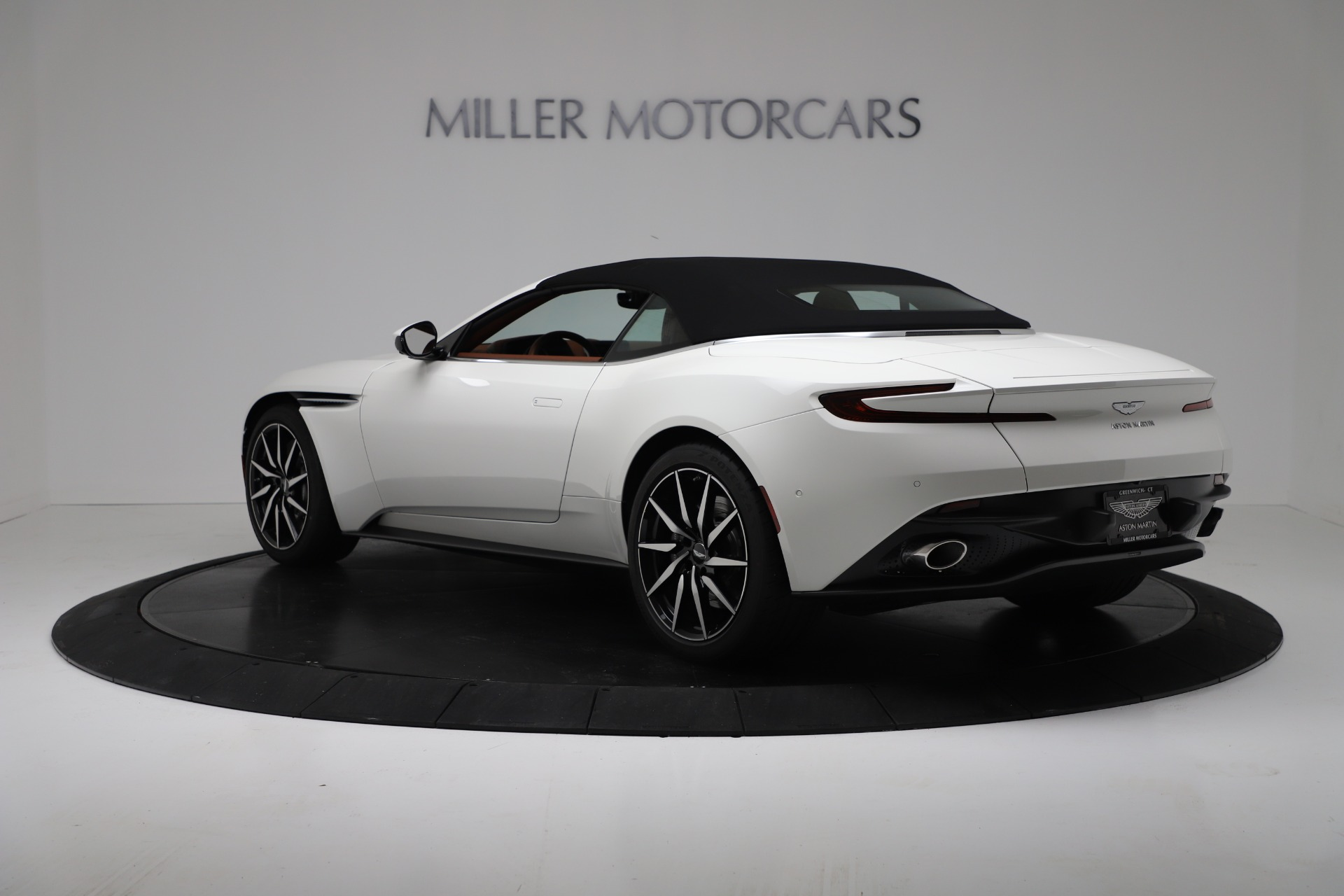 New 2019 Aston Martin DB11 V8 For Sale In Greenwich, CT. Alfa Romeo of Greenwich, A1391 3344_p15