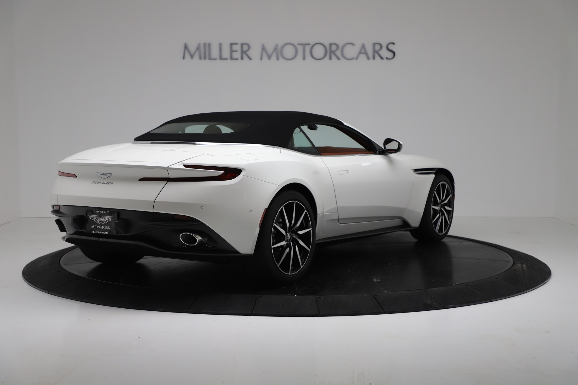 New 2019 Aston Martin DB11 V8 For Sale In Greenwich, CT. Alfa Romeo of Greenwich, A1391 3344_p16
