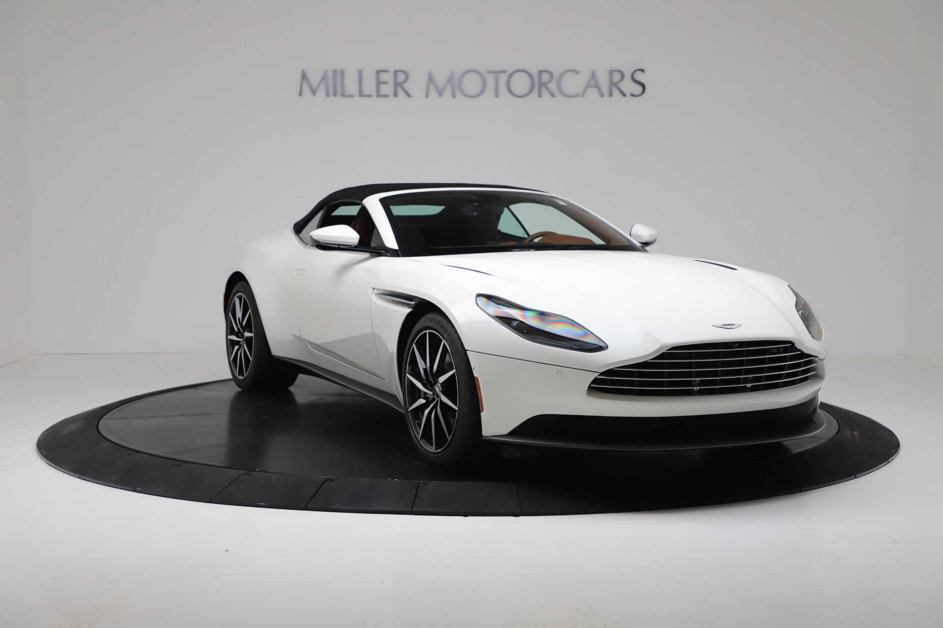 New 2019 Aston Martin DB11 V8 For Sale In Greenwich, CT. Alfa Romeo of Greenwich, A1391 3344_p18