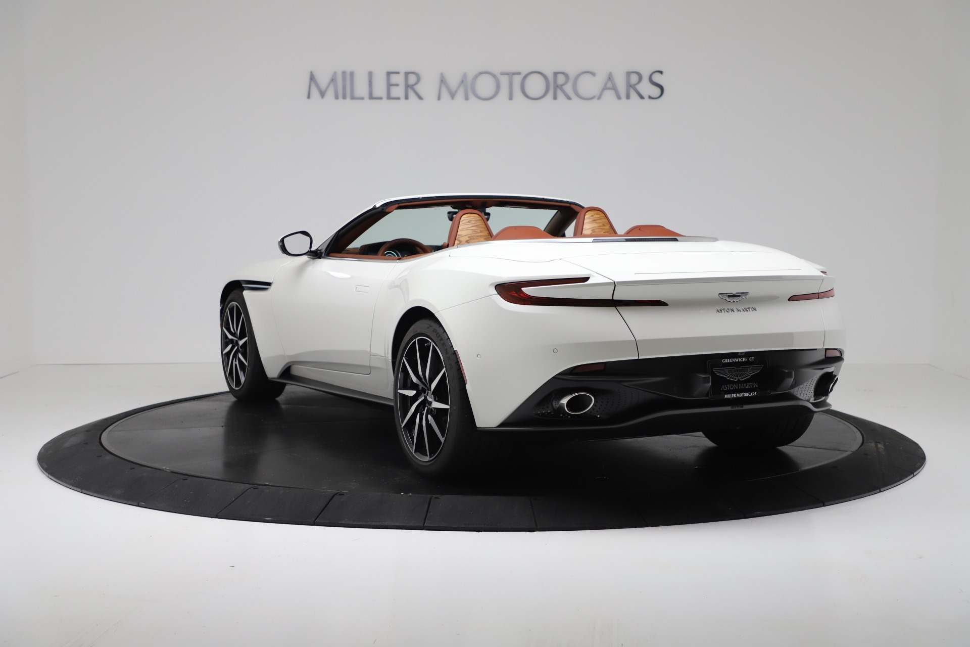 New 2019 Aston Martin DB11 V8 For Sale In Greenwich, CT. Alfa Romeo of Greenwich, A1391 3344_p5