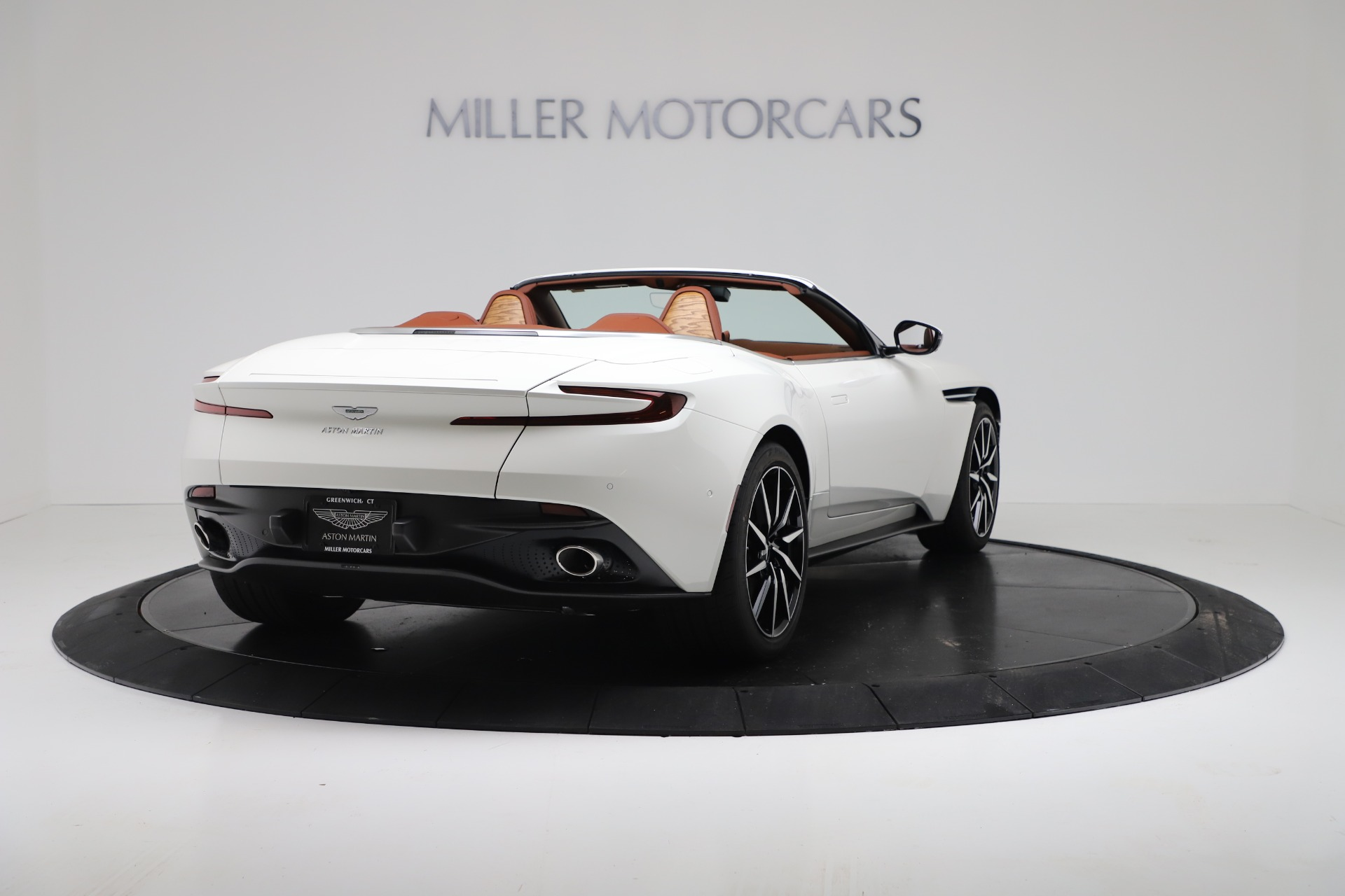 New 2019 Aston Martin DB11 V8 For Sale In Greenwich, CT. Alfa Romeo of Greenwich, A1391 3344_p7
