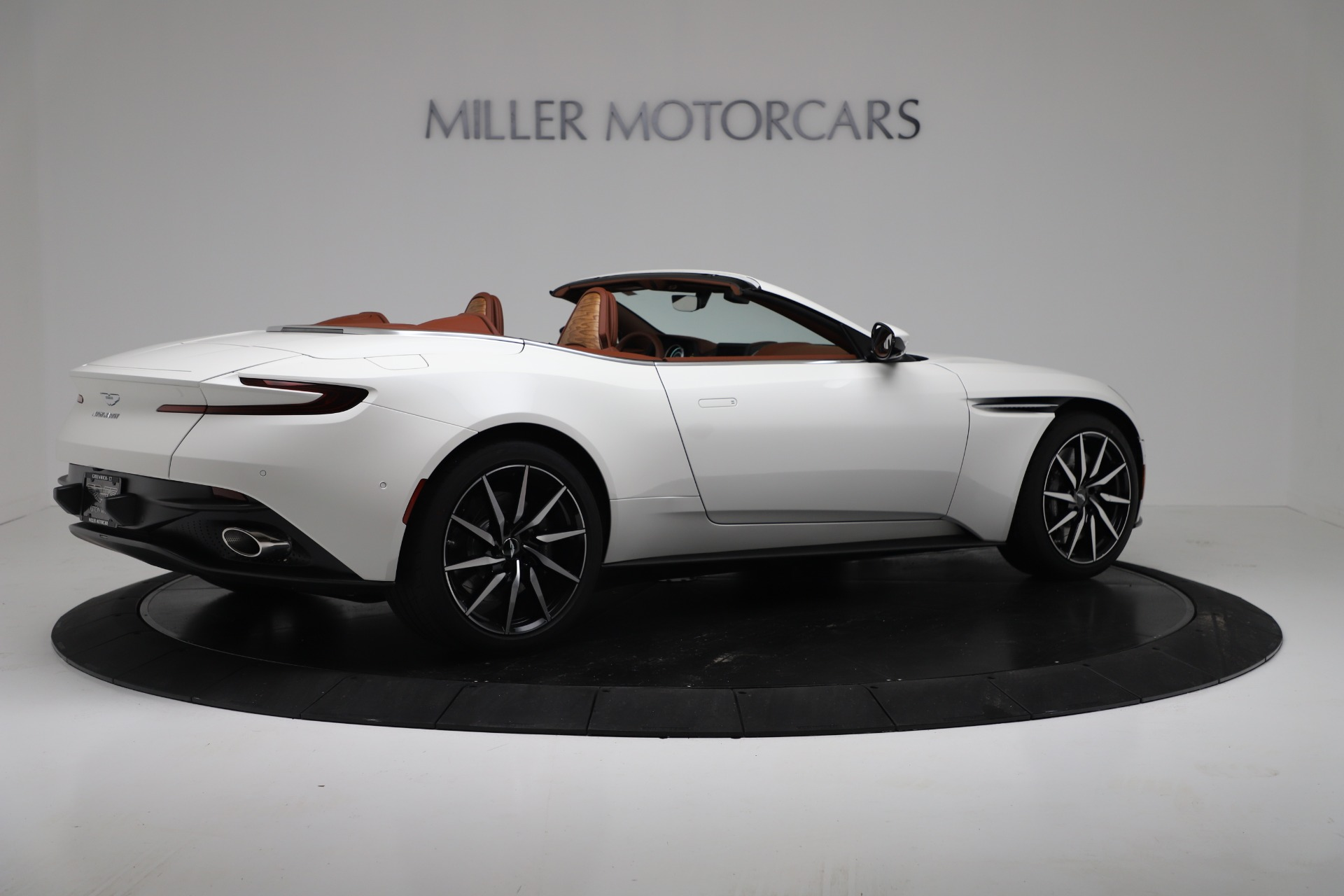 New 2019 Aston Martin DB11 V8 For Sale In Greenwich, CT. Alfa Romeo of Greenwich, A1391 3344_p8