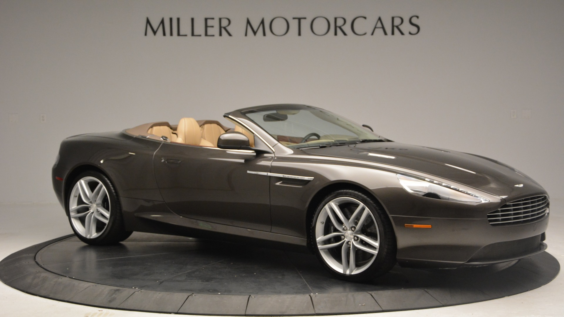 Used 2012 Aston Martin Virage Convertible For Sale In Greenwich, CT. Alfa Romeo of Greenwich, 7613 3351_p10