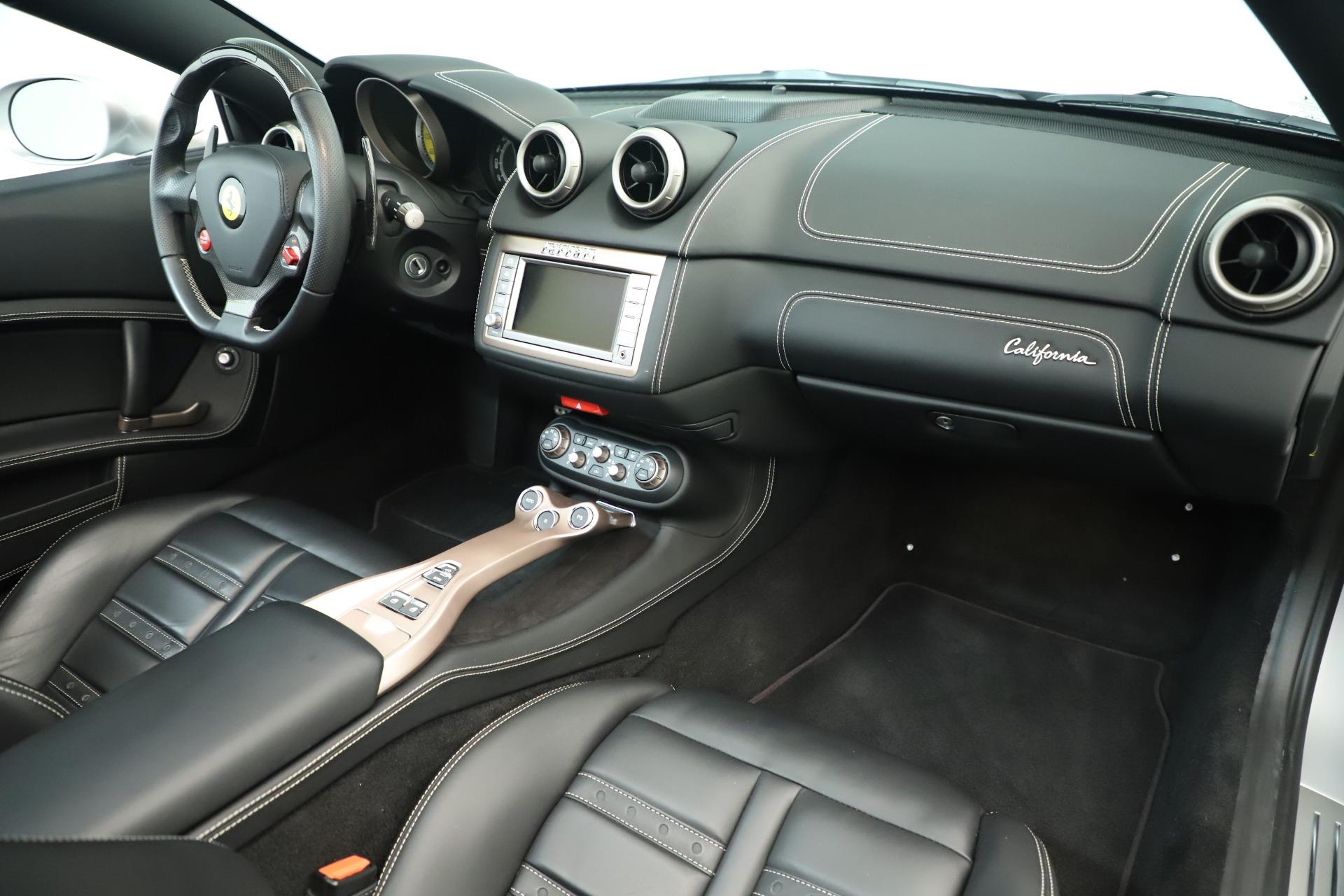 Used 2014 Ferrari California  For Sale In Greenwich, CT. Alfa Romeo of Greenwich, F1945A 3355_p25