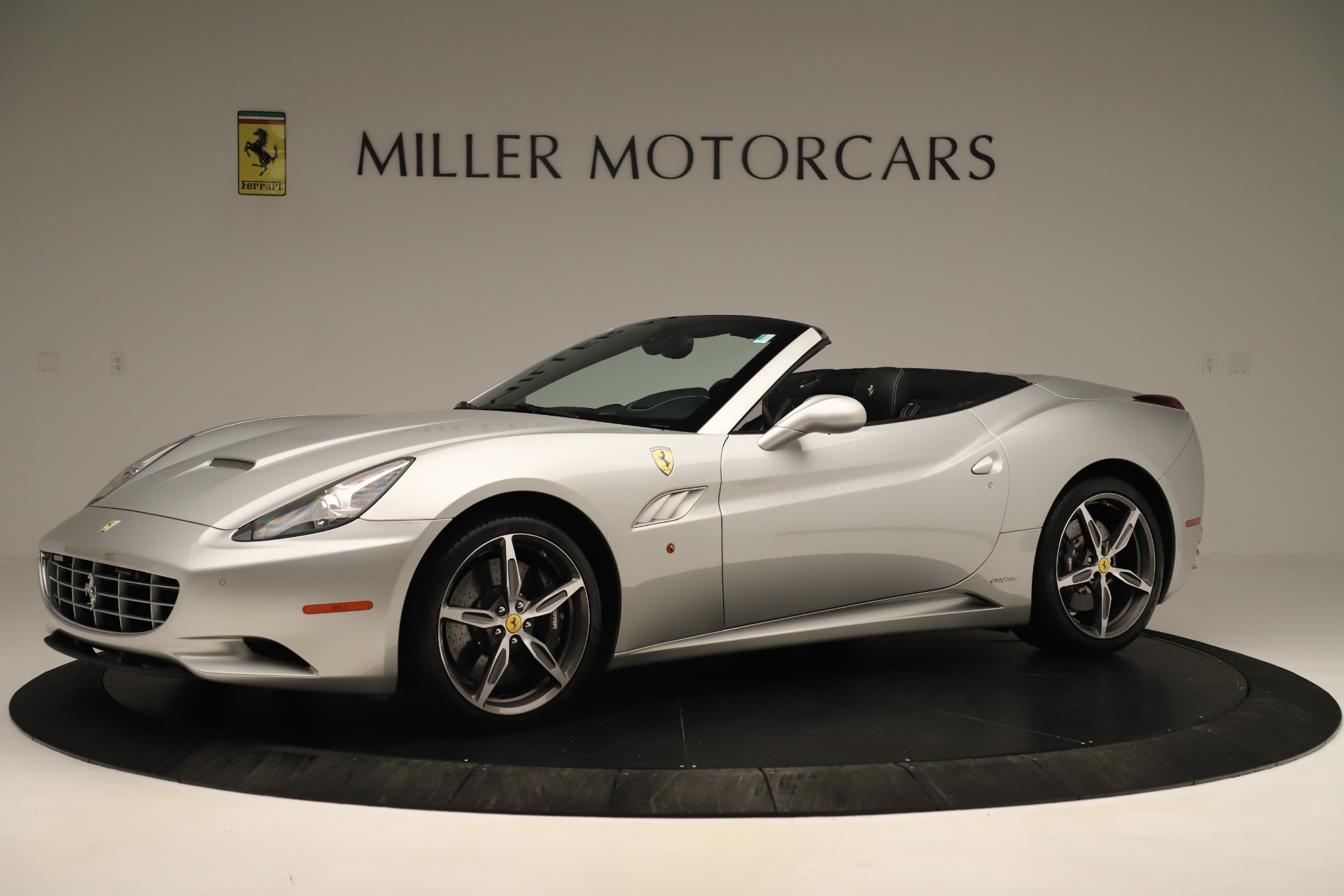 Used 2014 Ferrari California  For Sale In Greenwich, CT. Alfa Romeo of Greenwich, F1945A 3355_p2