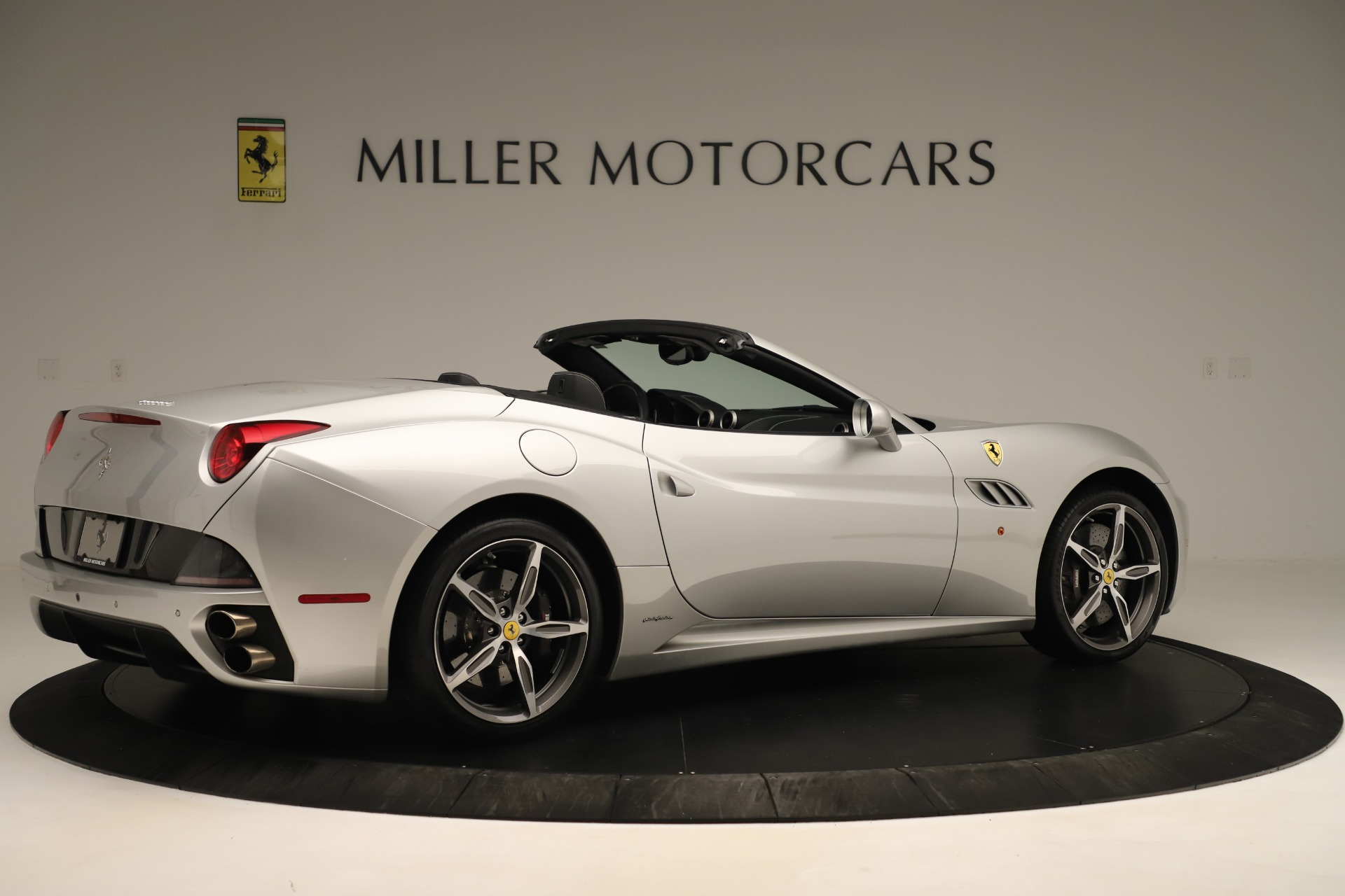Used 2014 Ferrari California  For Sale In Greenwich, CT. Alfa Romeo of Greenwich, F1945A 3355_p8