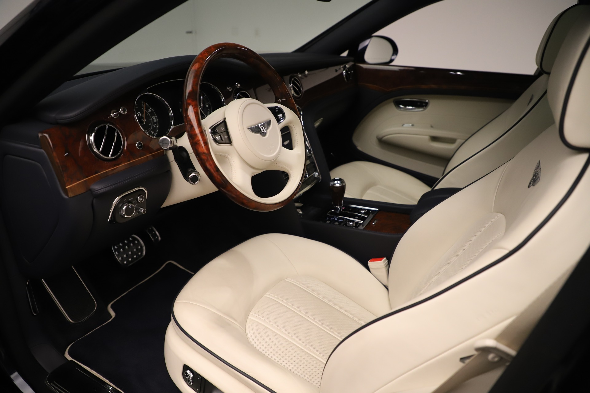 Used 2016 Bentley Mulsanne  For Sale In Greenwich, CT. Alfa Romeo of Greenwich, 7627 3358_p17