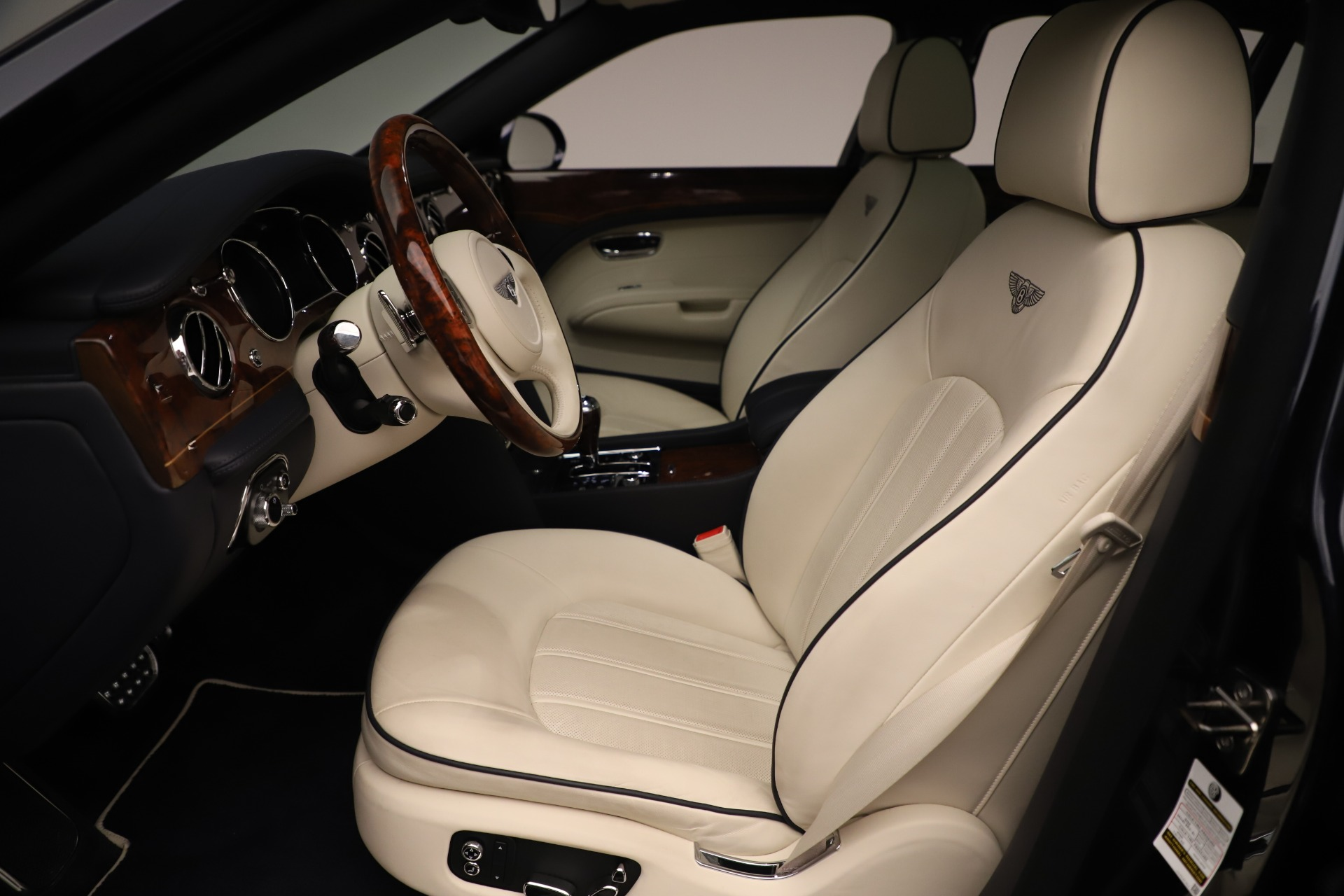 Used 2016 Bentley Mulsanne  For Sale In Greenwich, CT. Alfa Romeo of Greenwich, 7627 3358_p18