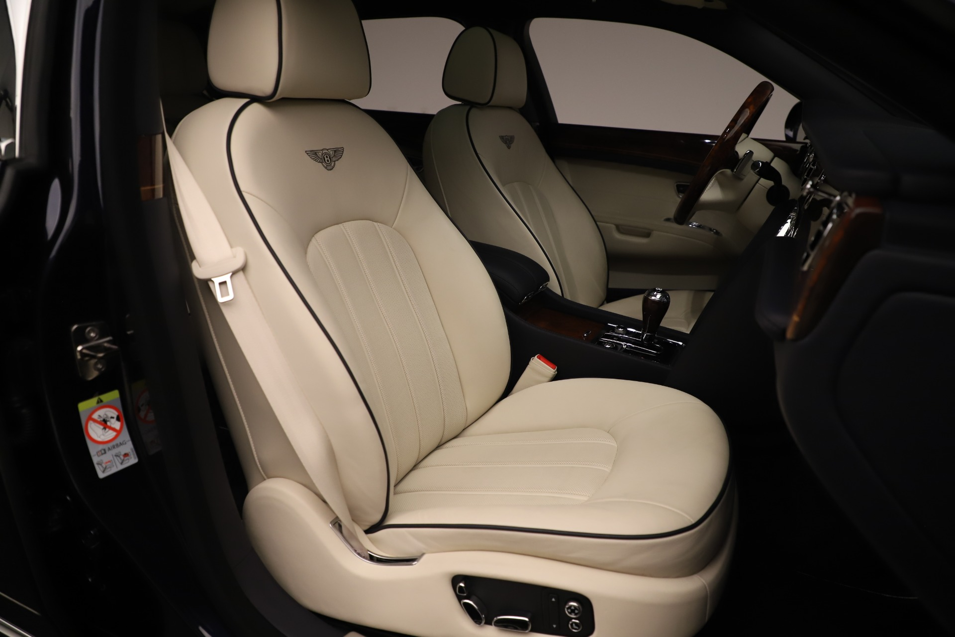 Used 2016 Bentley Mulsanne  For Sale In Greenwich, CT. Alfa Romeo of Greenwich, 7627 3358_p27