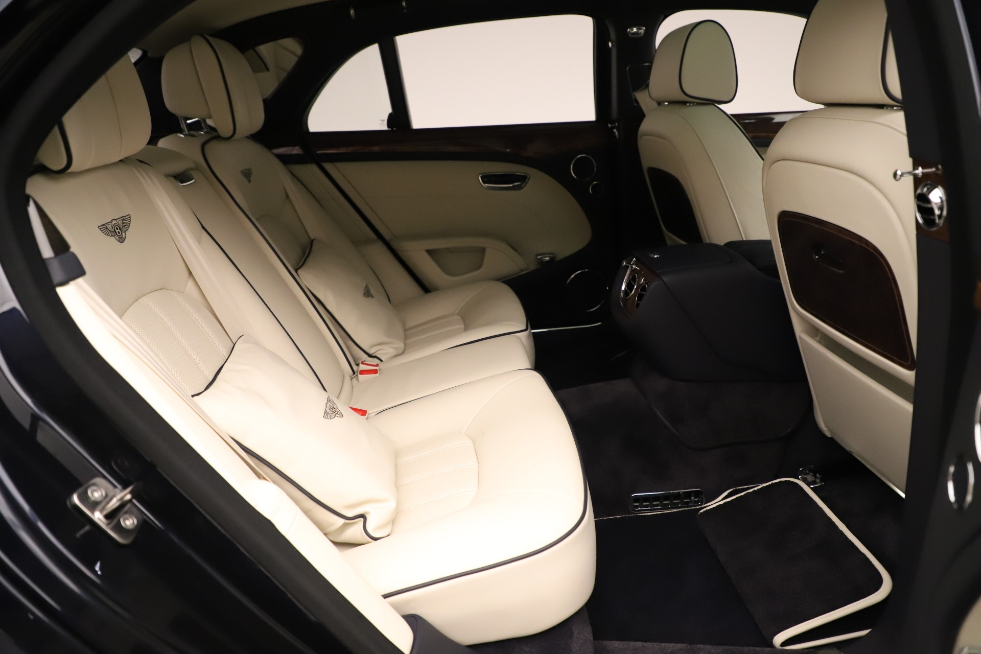 Used 2016 Bentley Mulsanne  For Sale In Greenwich, CT. Alfa Romeo of Greenwich, 7627 3358_p29