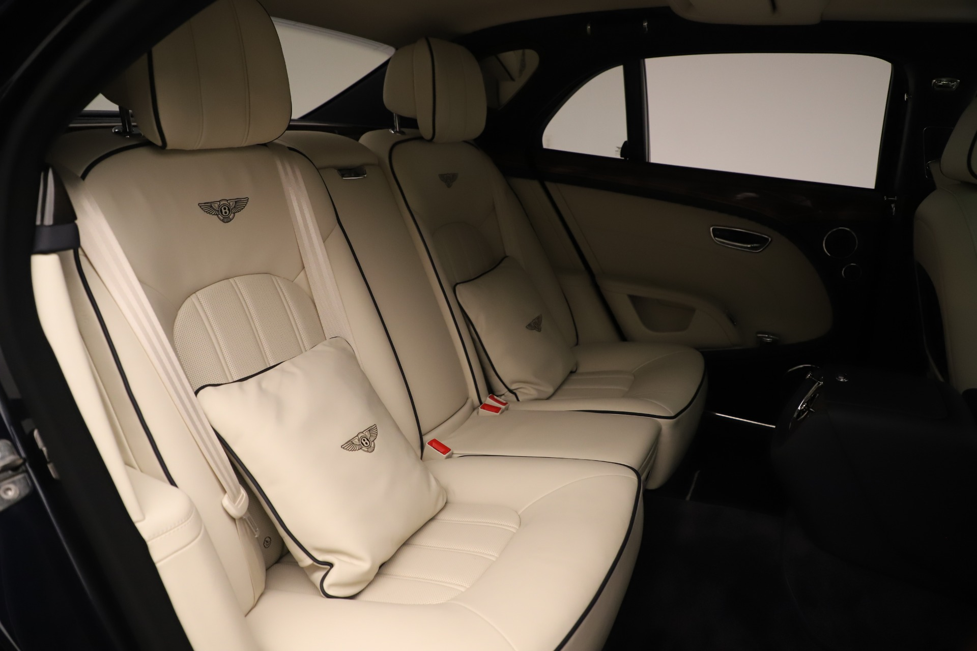 Used 2016 Bentley Mulsanne  For Sale In Greenwich, CT. Alfa Romeo of Greenwich, 7627 3358_p30