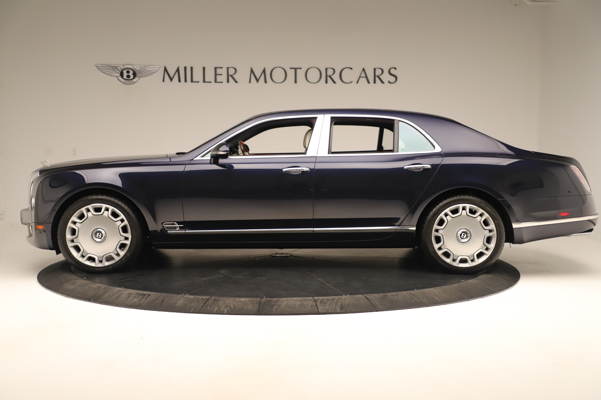 Used 2016 Bentley Mulsanne  For Sale In Greenwich, CT. Alfa Romeo of Greenwich, 7627 3358_p3