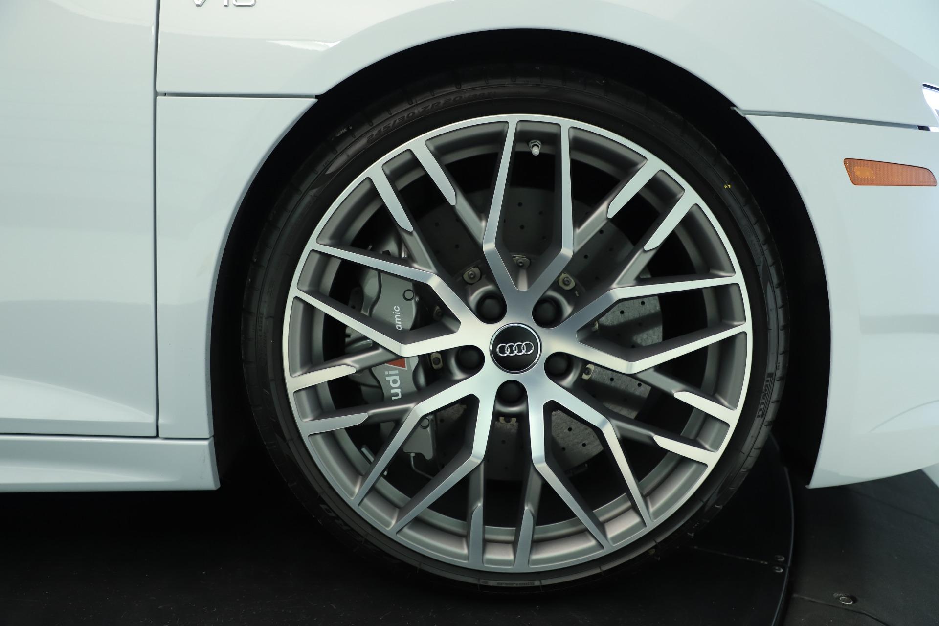 Used 2018 Audi R8 5.2 quattro V10 Plus For Sale In Greenwich, CT. Alfa Romeo of Greenwich, 7615 3360_p13
