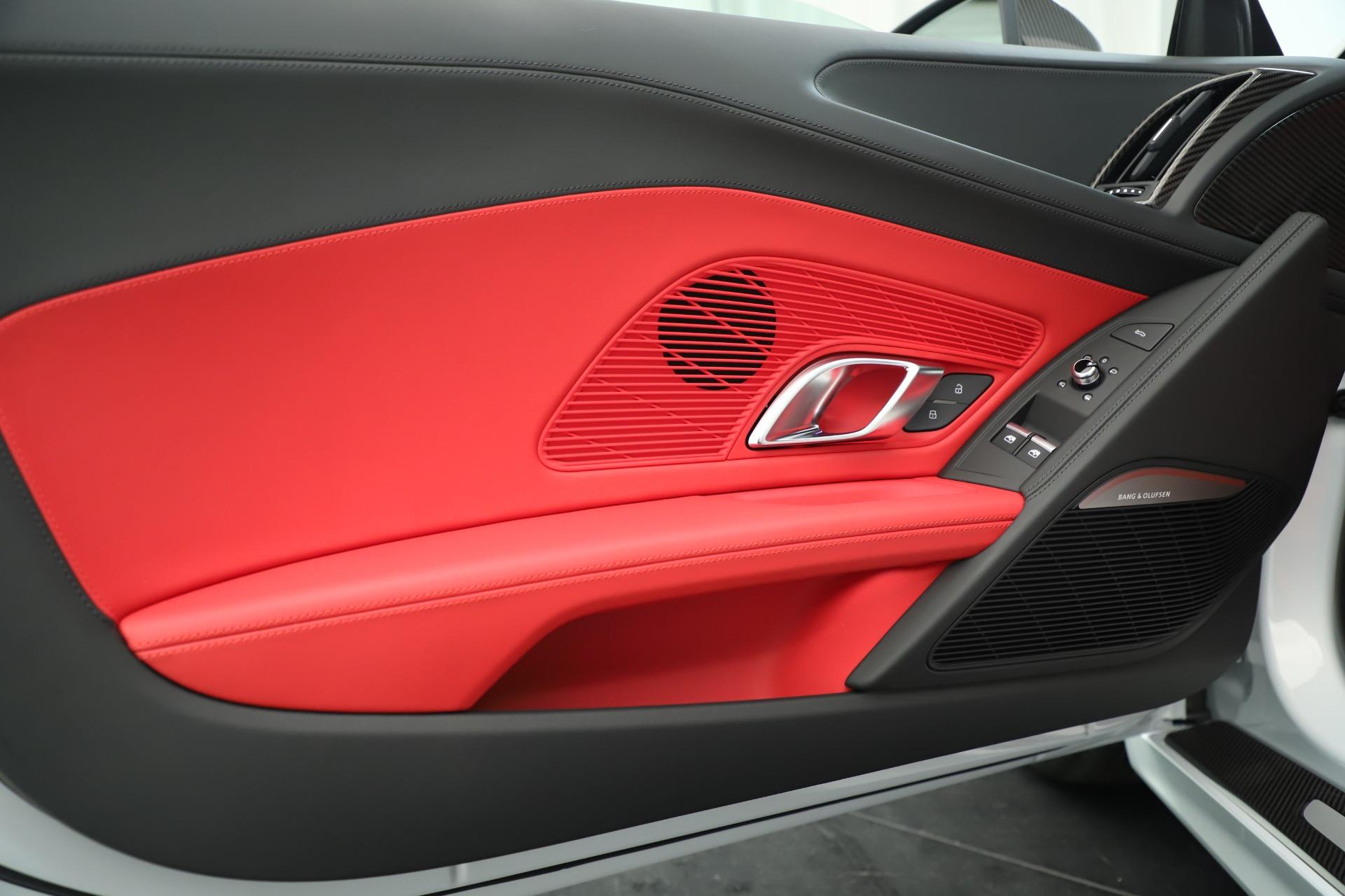 Used 2018 Audi R8 5.2 quattro V10 Plus For Sale In Greenwich, CT. Alfa Romeo of Greenwich, 7615 3360_p17