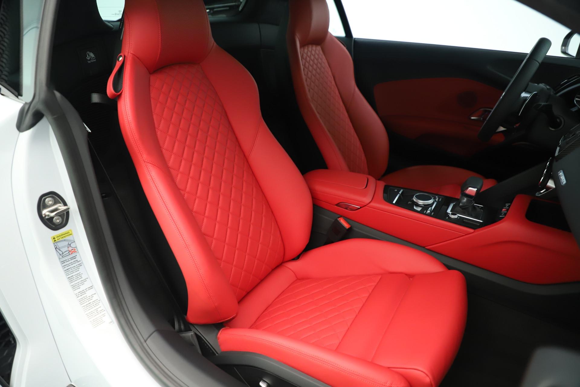 Used 2018 Audi R8 5.2 quattro V10 Plus For Sale In Greenwich, CT. Alfa Romeo of Greenwich, 7615 3360_p20
