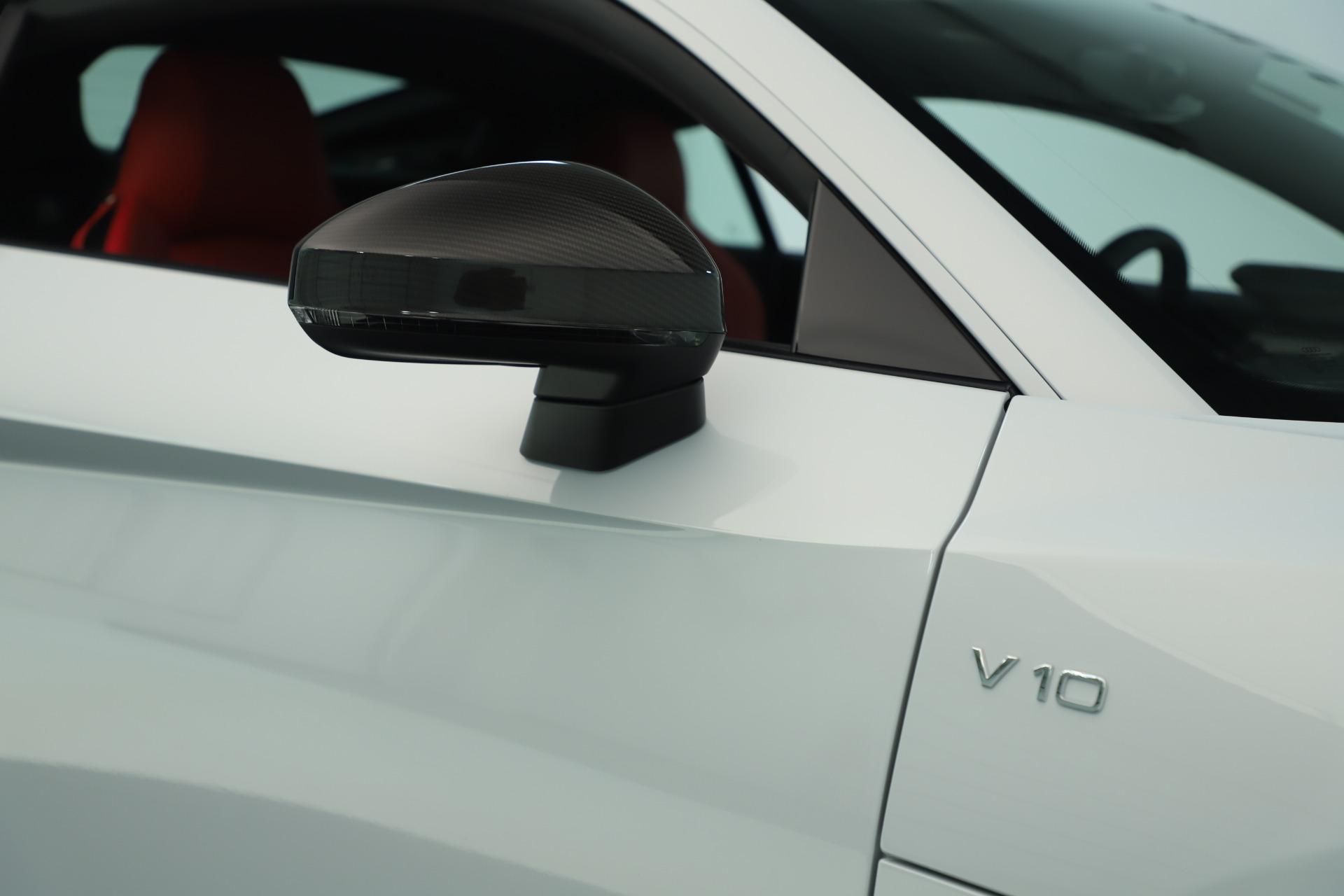 Used 2018 Audi R8 5.2 quattro V10 Plus For Sale In Greenwich, CT. Alfa Romeo of Greenwich, 7615 3360_p24