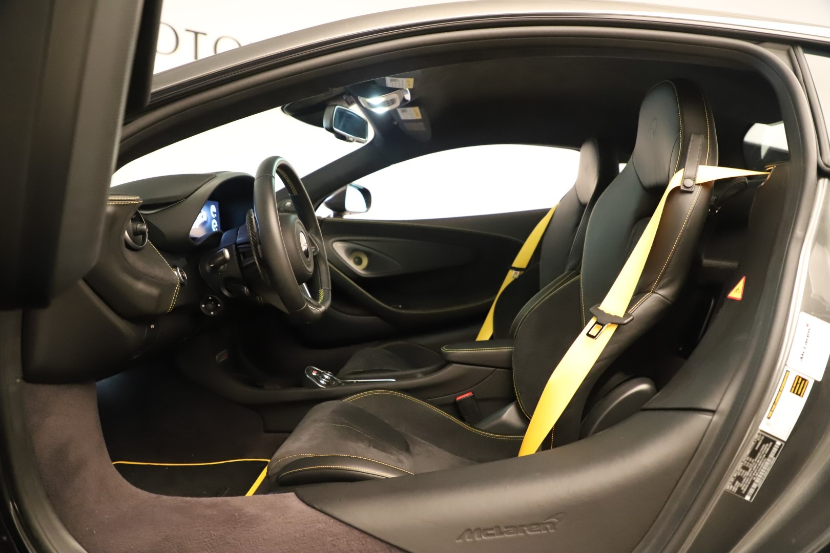 Used 2017 McLaren 570S Coupe For Sale In Greenwich, CT. Alfa Romeo of Greenwich, MC414A 3361_p19