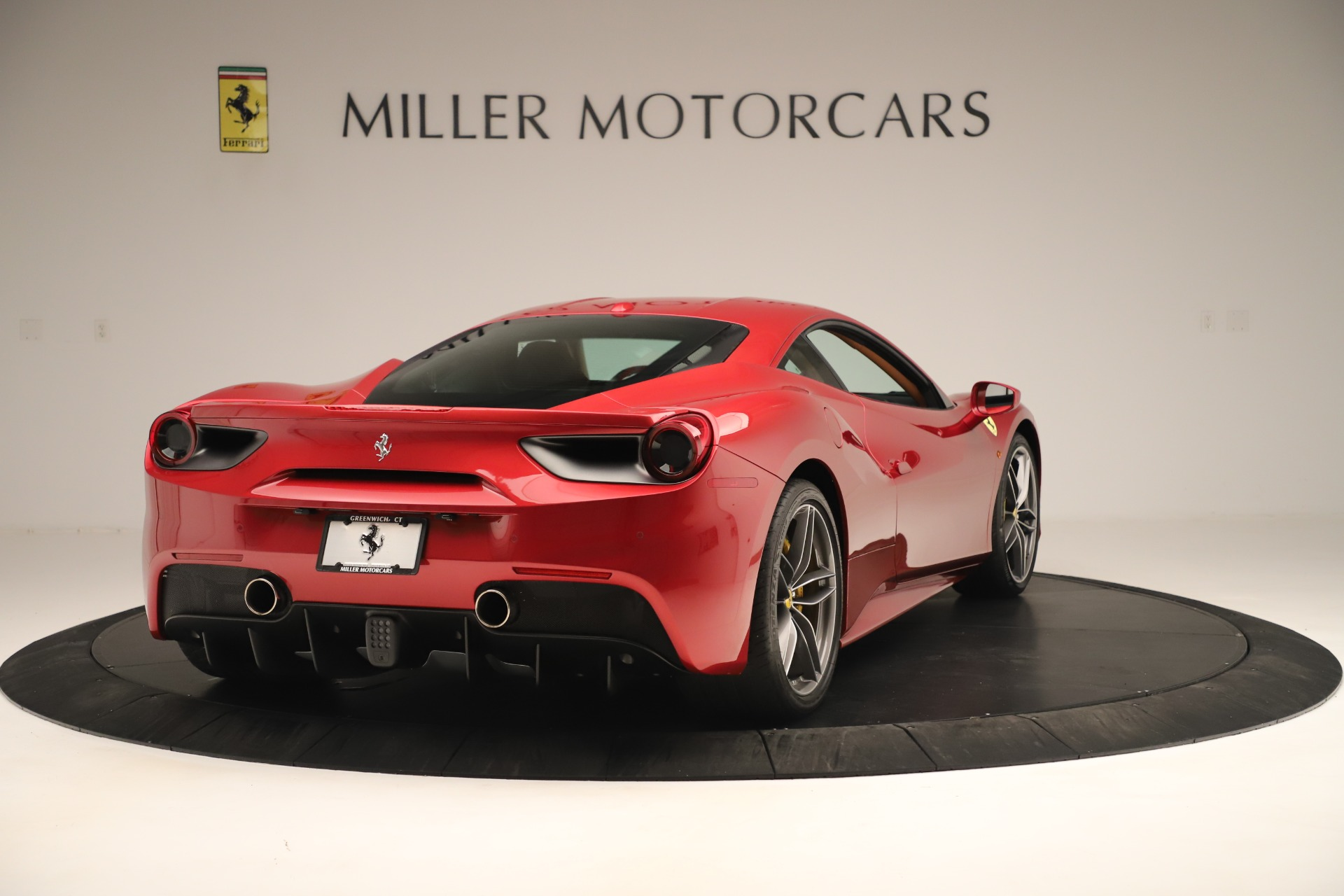 Used 2018 Ferrari 488 GTB  For Sale In Greenwich, CT. Alfa Romeo of Greenwich, F2001A 3362_p7